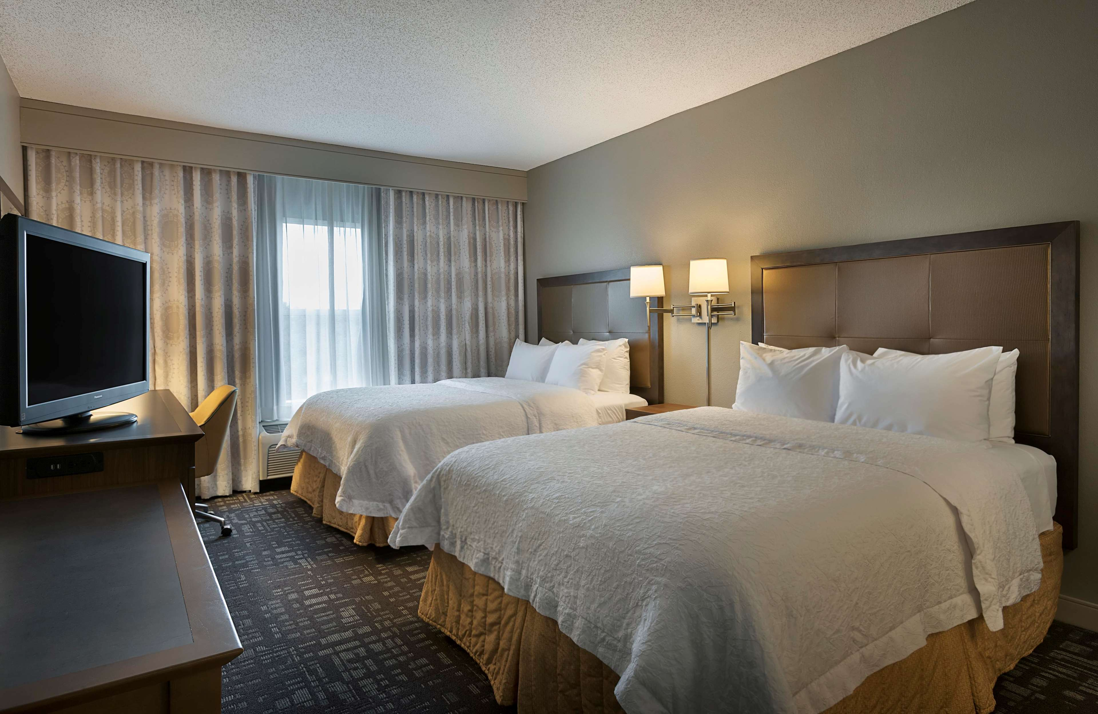 Hampton Inn & Suites Charlotte/Pineville image 26