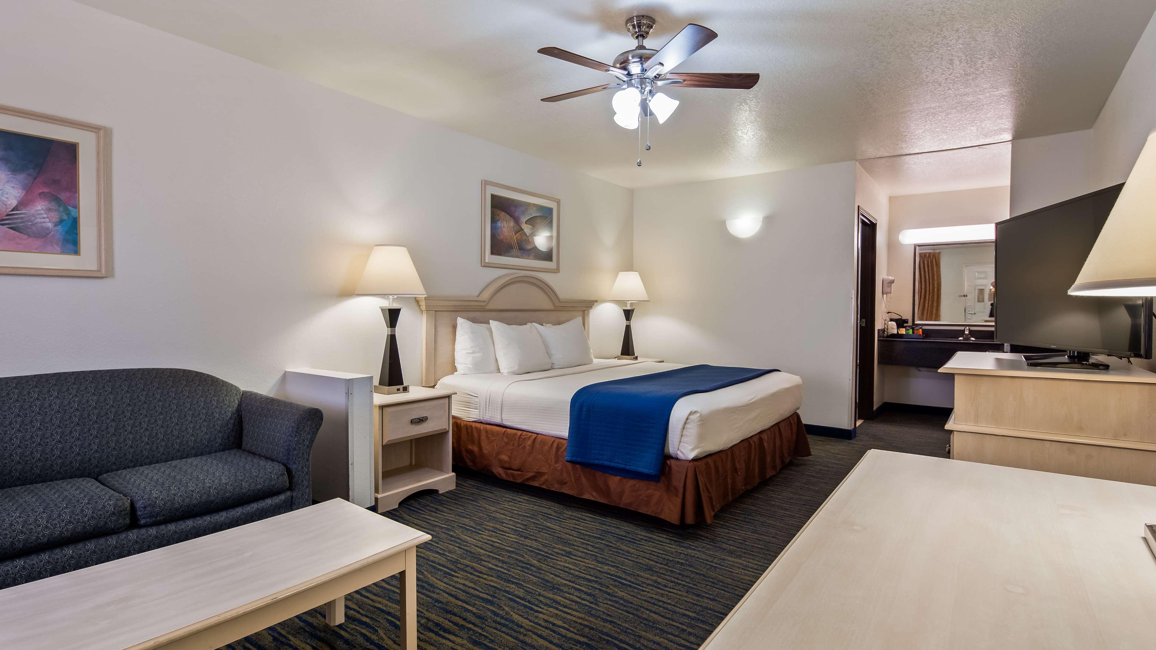 SureStay Hotel by Best Western Falfurrias image 19