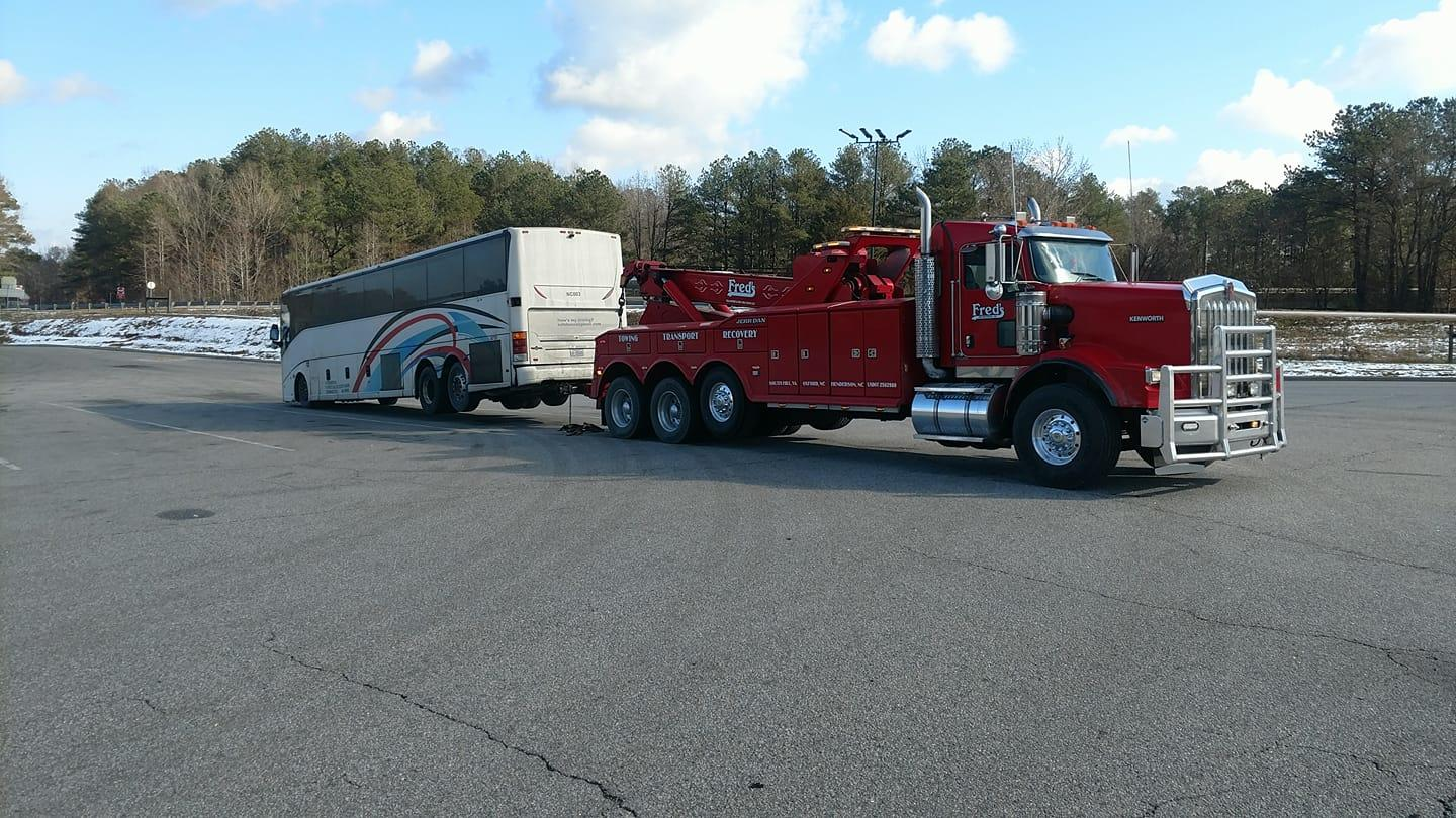 Fred's Towing & Transport image 10