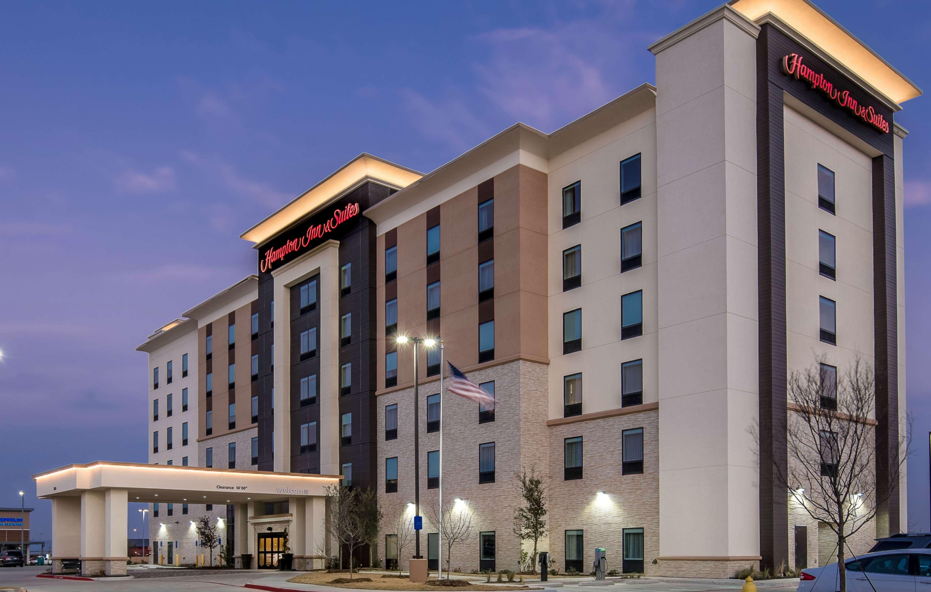 Hampton Inn & Suites Dallas-The Colony, TX image 1