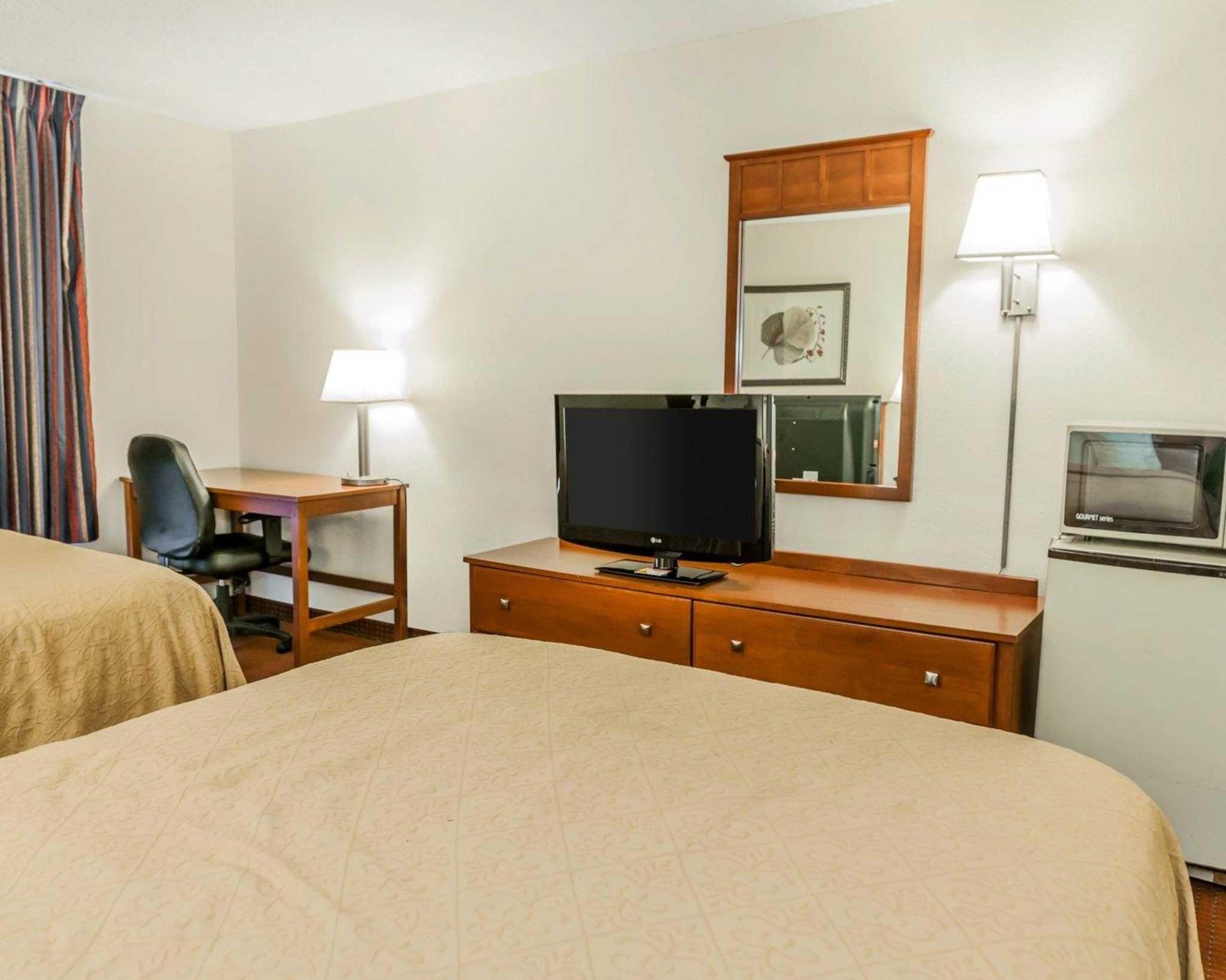 Quality Inn East image 3