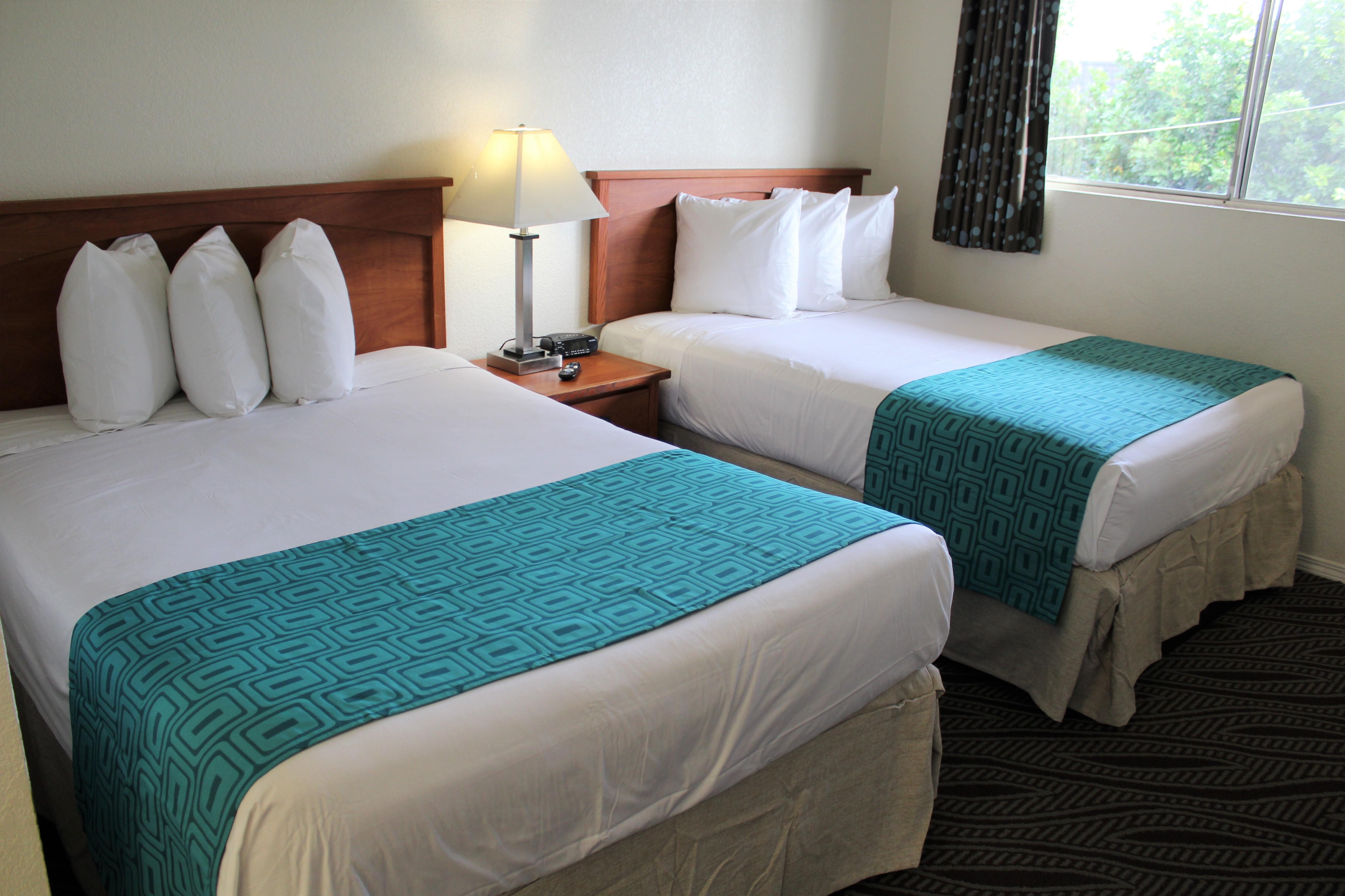 Howard Johnson by Wyndham Chula Vista San Diego Suite Hotel image 1