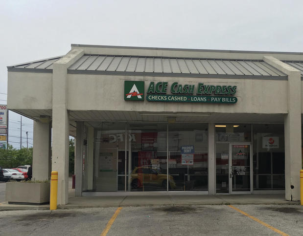 Indianapolis payday loan store