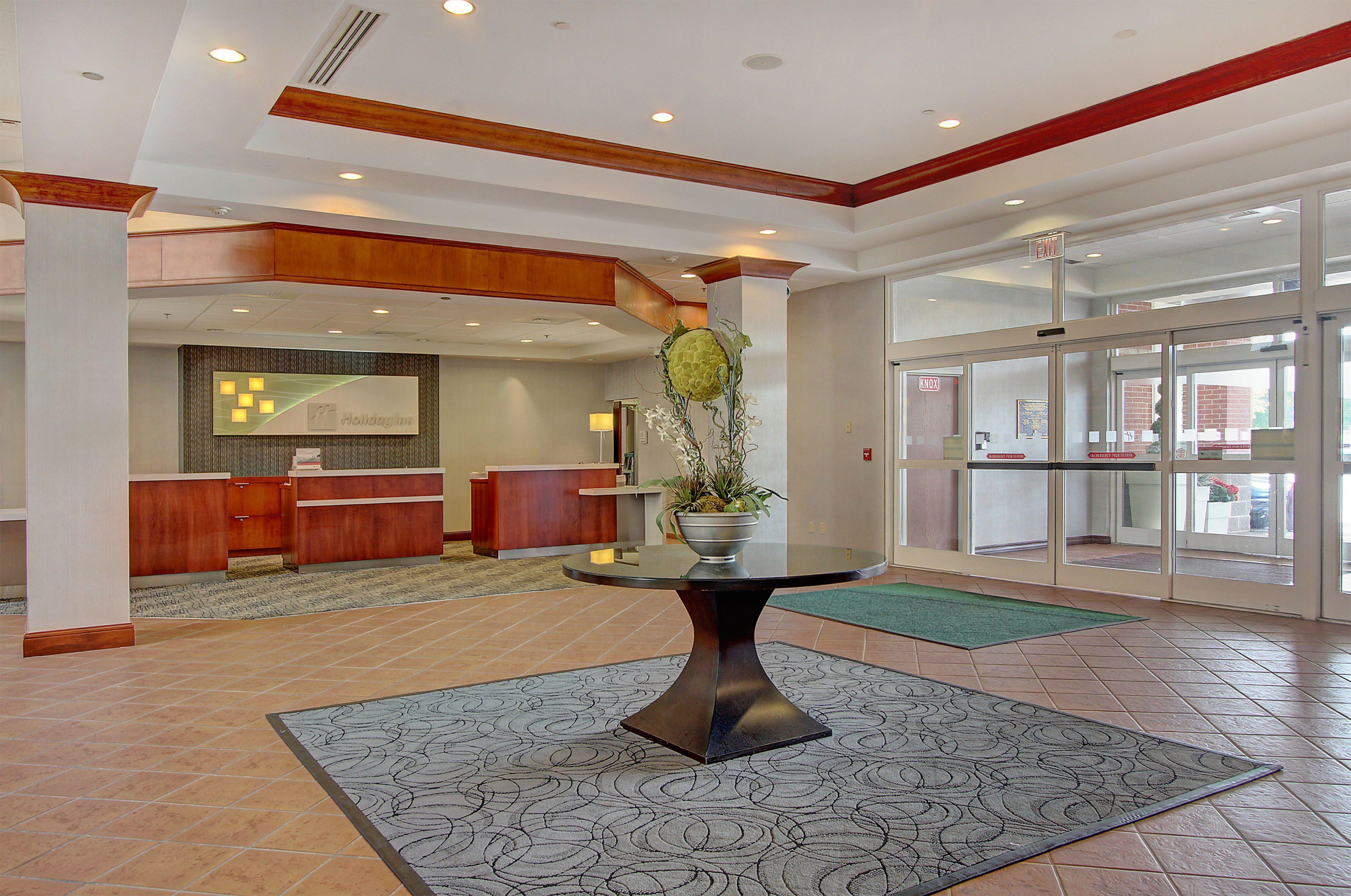 Holiday Inn University Plaza-Bowling Green image 5