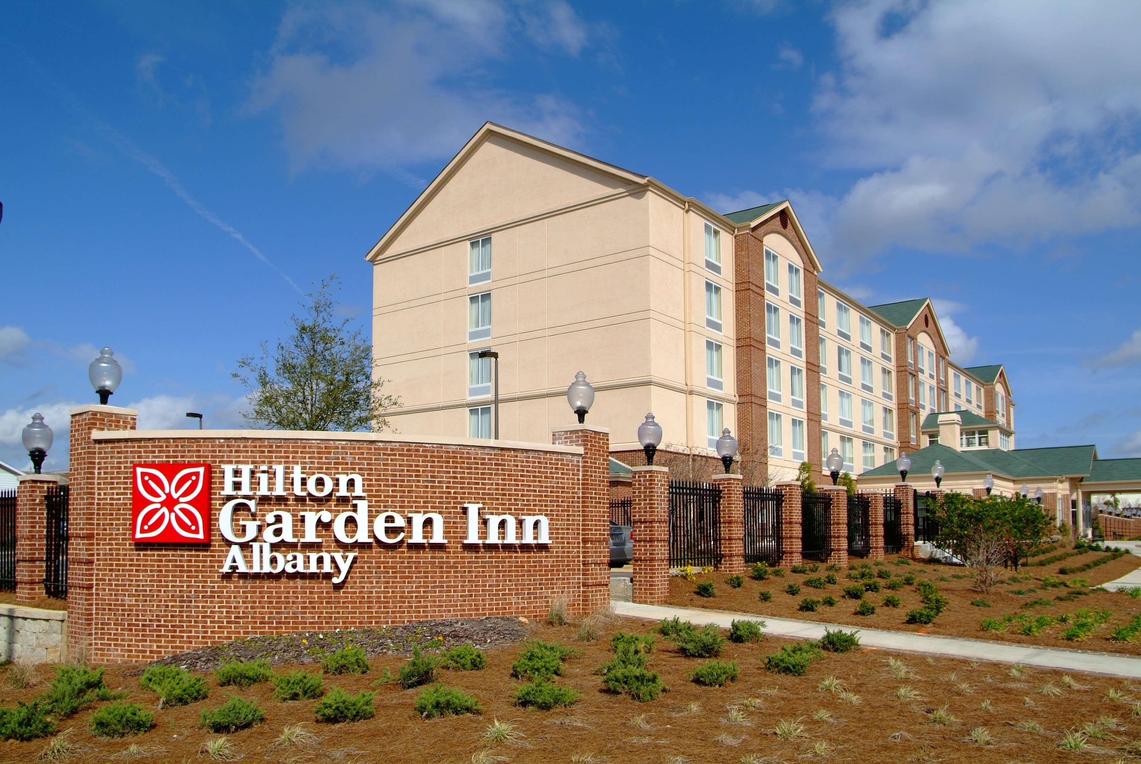 Hilton Garden Inn Albany image 2