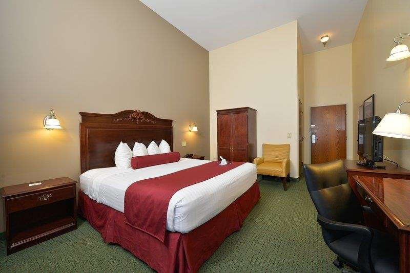 Best Western The Hotel Chequamegon image 6