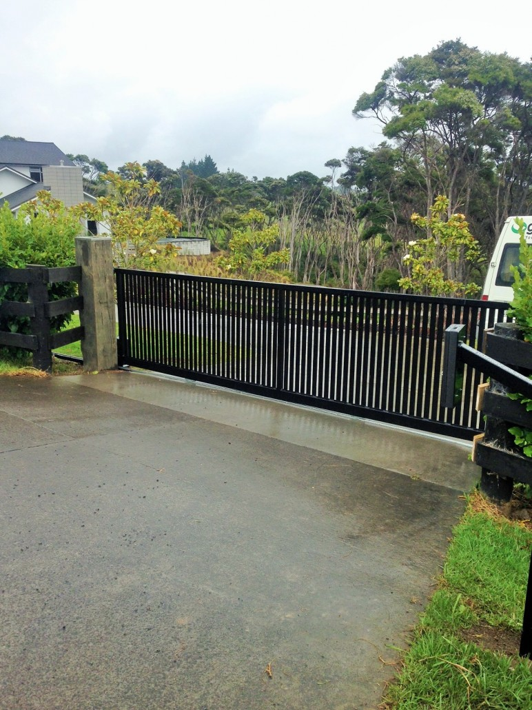 Gate Repair Westlake Village image 2