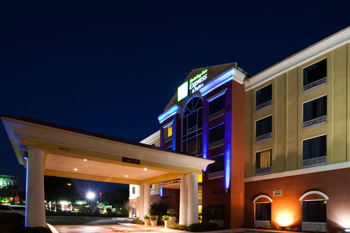Holiday Inn Express & Suites Tampa-Fairgrounds-Casino image 2