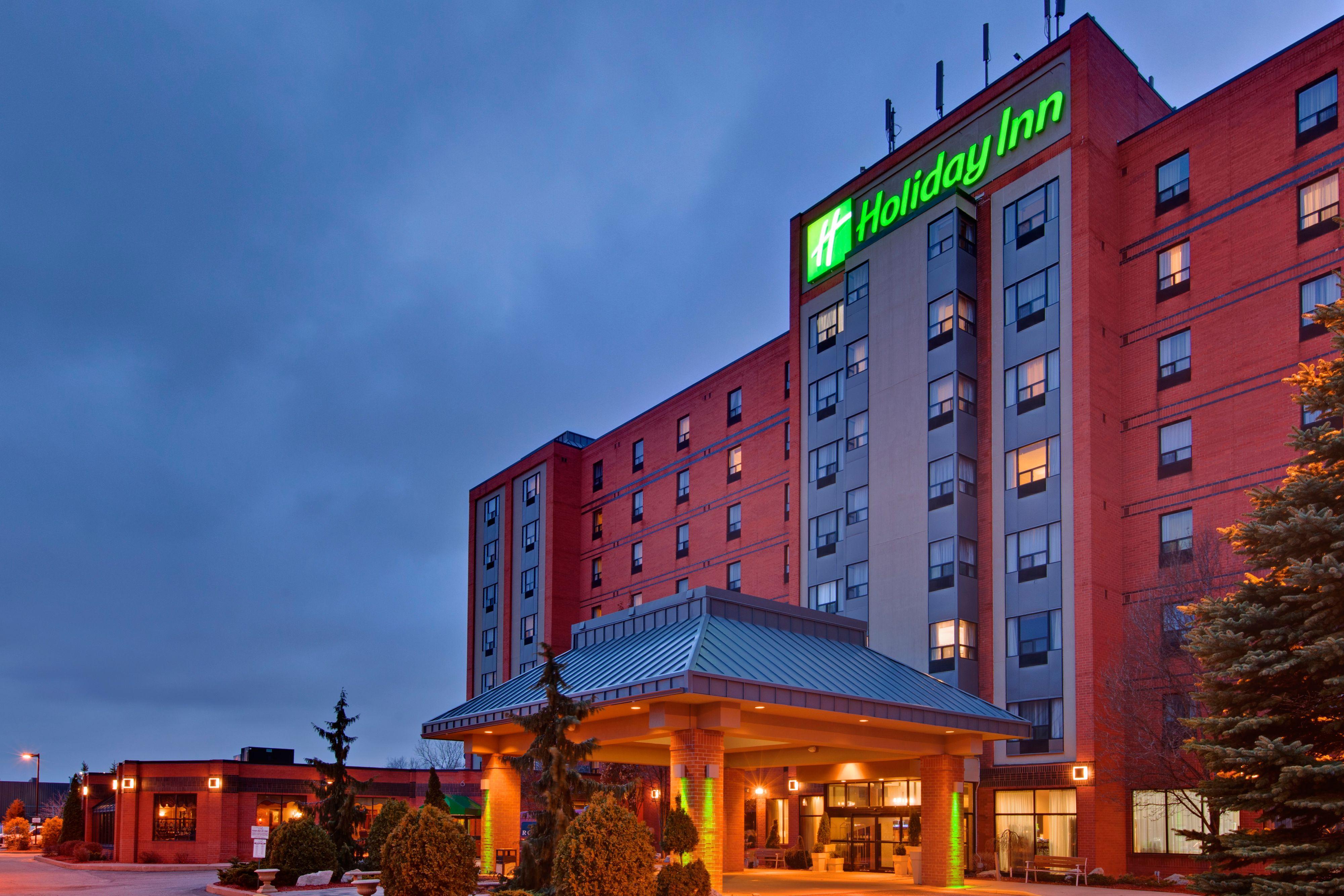 Holiday Inn Hotel  U0026 Suites Windsor  Ambassador Bridge   Windsor On