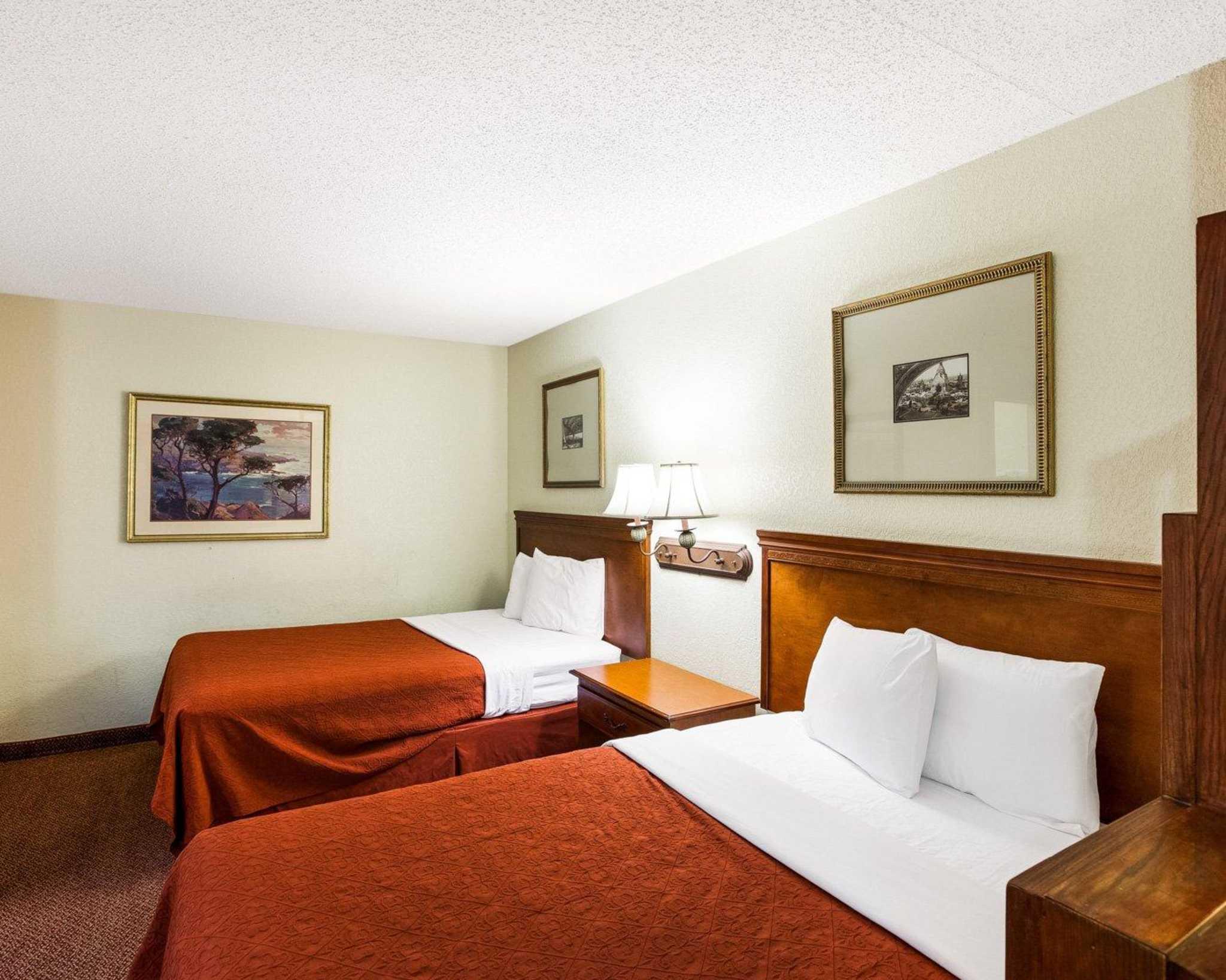Rodeway Inn & Suites Fiesta Park image 5