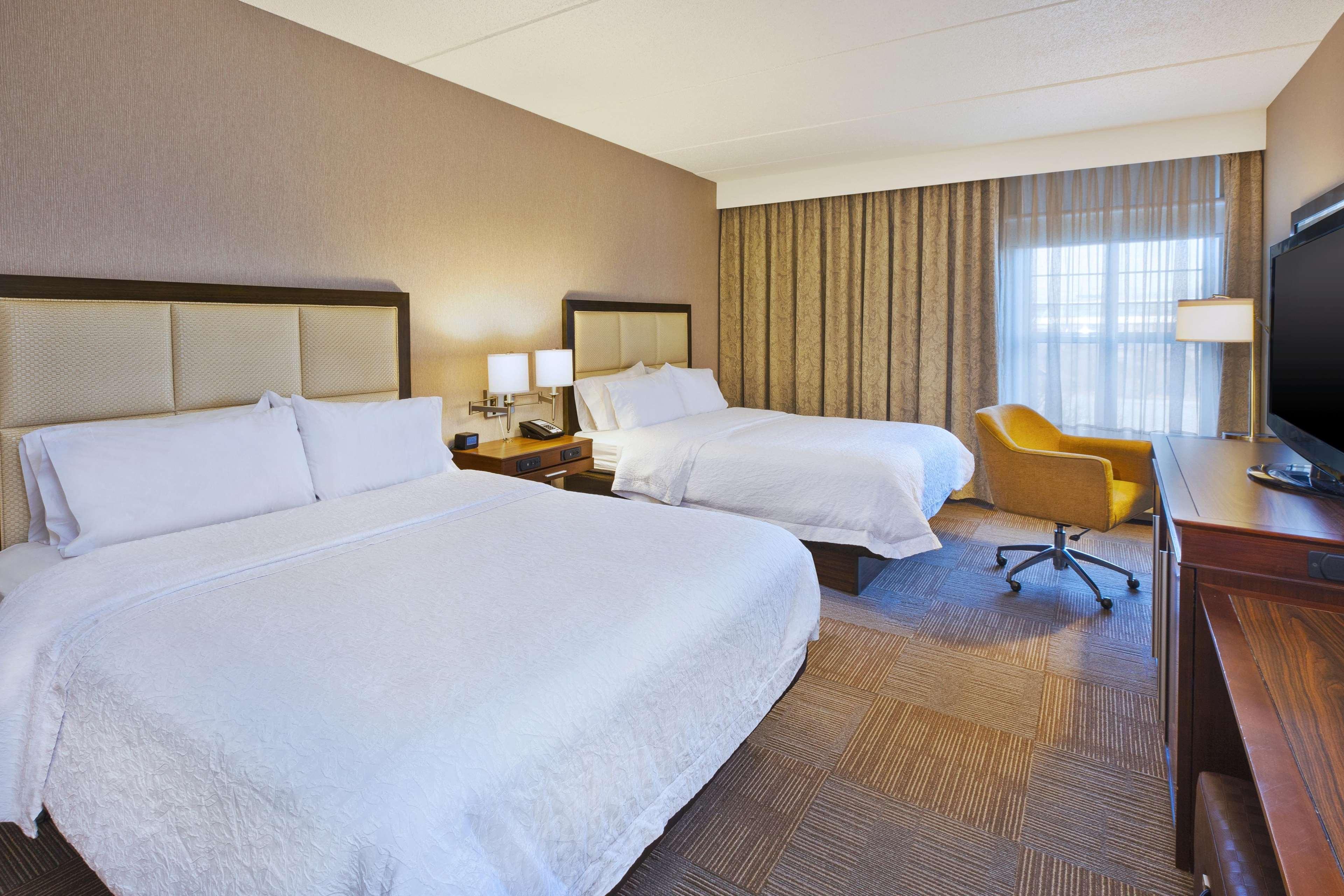 Hampton Inn & Suites Providence/Warwick-Airport image 47