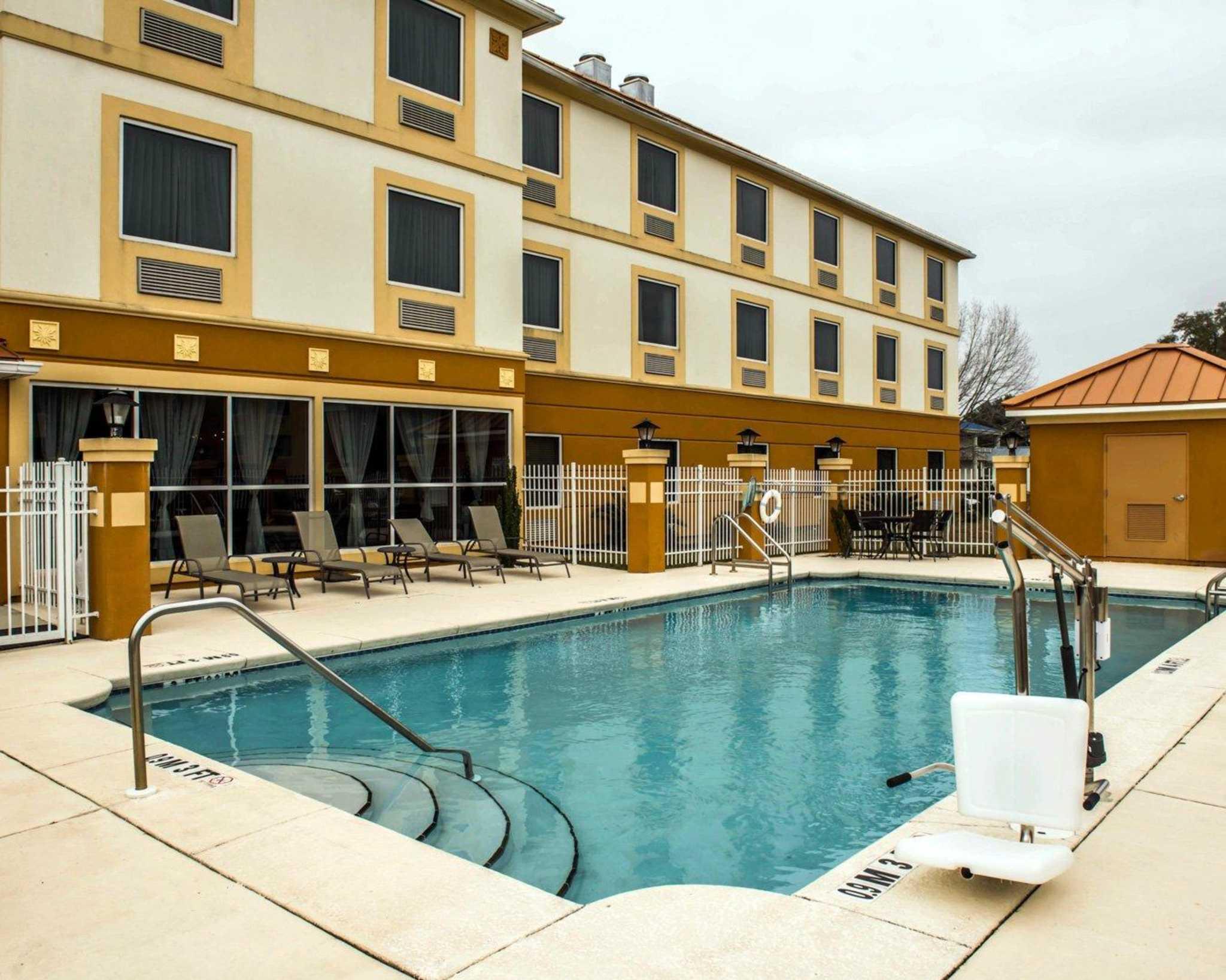 Comfort Inn & Suites Marianna I-10 image 17