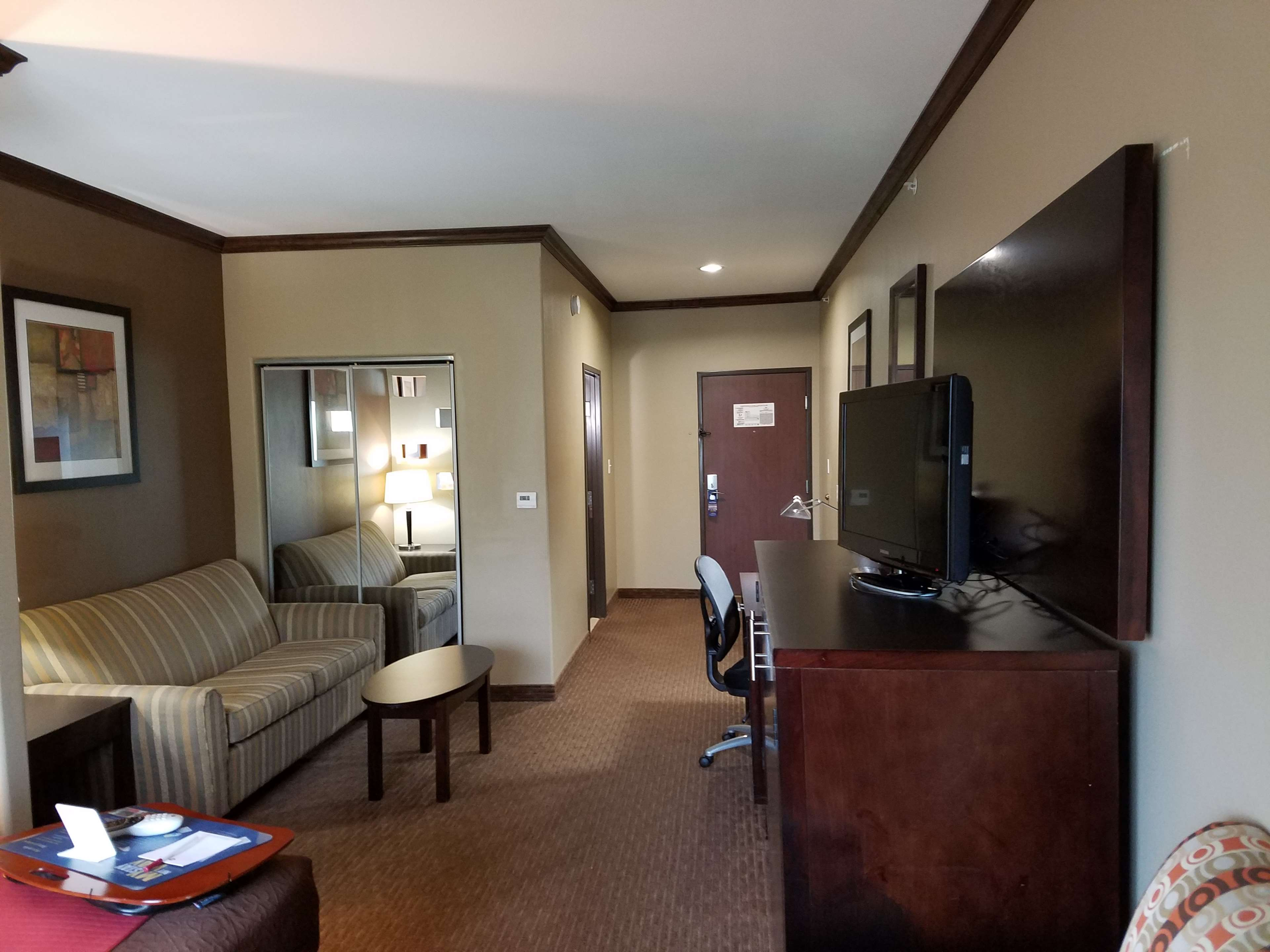 Best Western Plus Texoma Hotel & Suites image 37