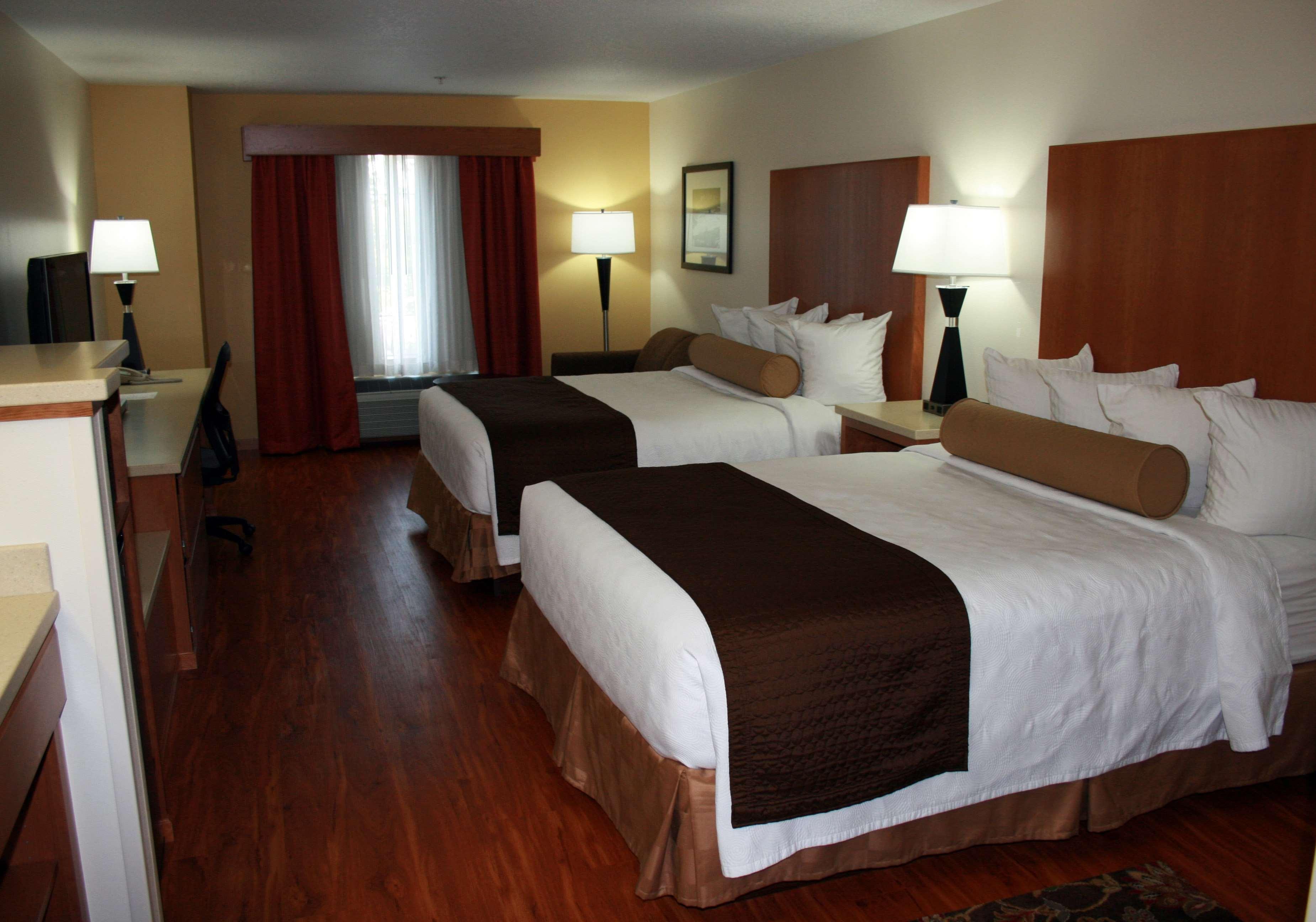 Best Western Plus Park Place Inn & Suites image 32