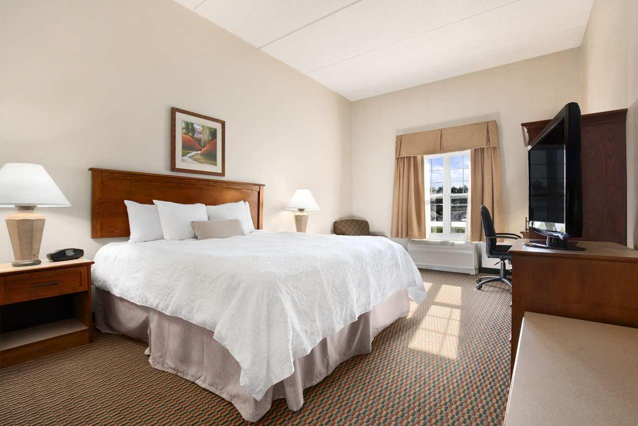 Hampton Inn & Suites Providence/Warwick-Airport image 35