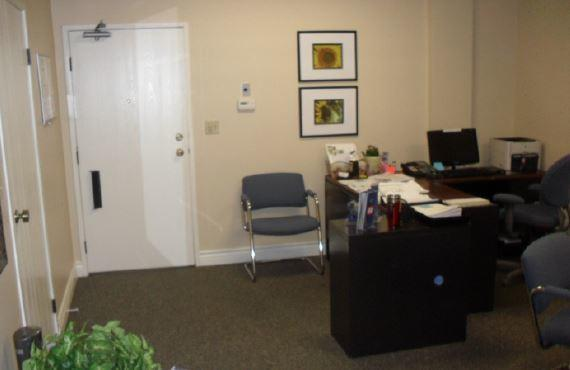 Allstate Insurance Agent: Mary Lou Di Muro
