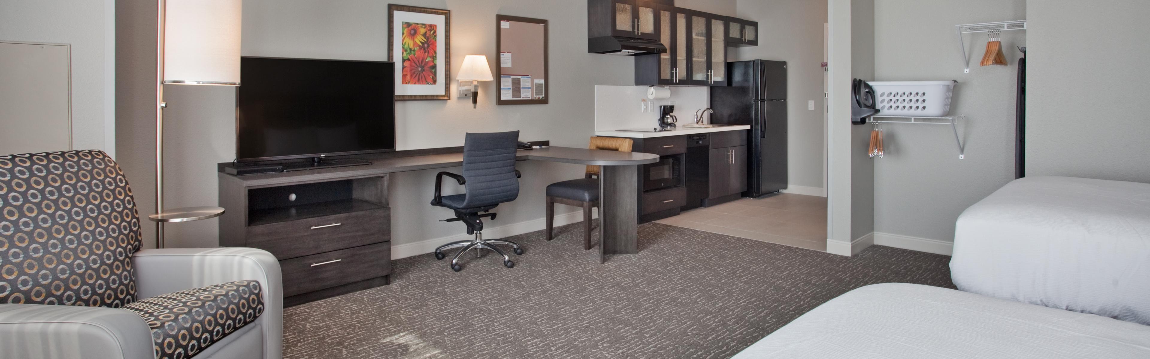 Candlewood Suites Kearney image 1