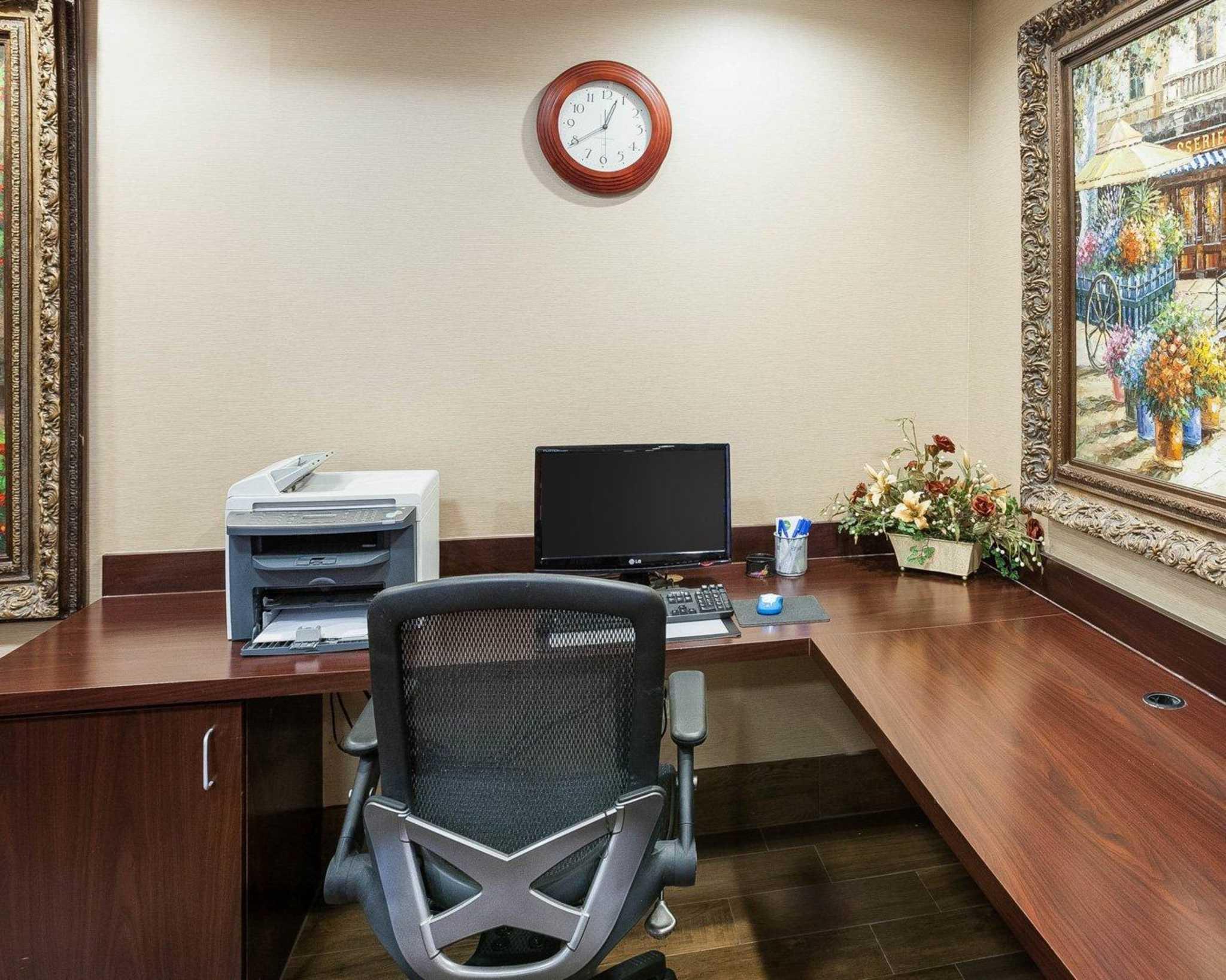 Comfort Inn & Suites Near Medical Center image 31