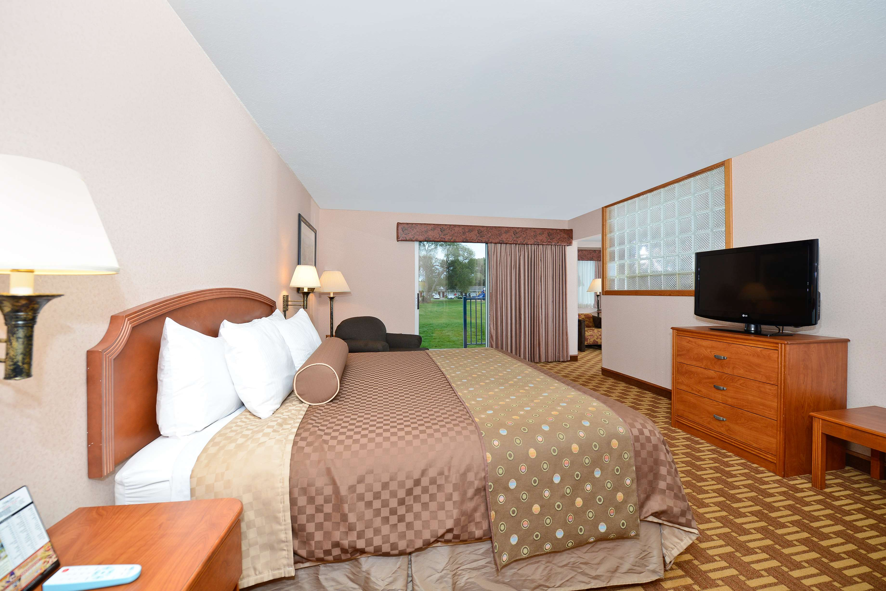 Best Western Harbour Pointe Lakefront image 18