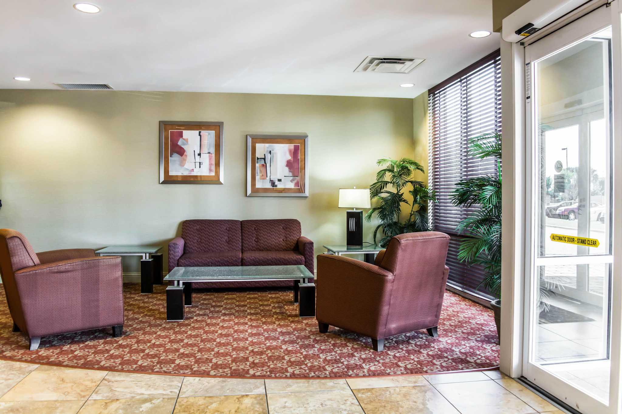 Comfort Suites Palm Bay - Melbourne image 9