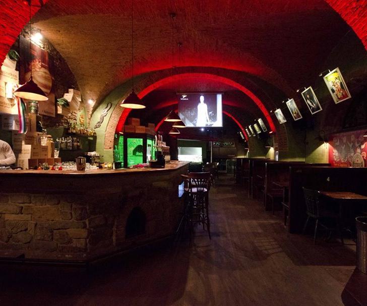 Mastarna Pub