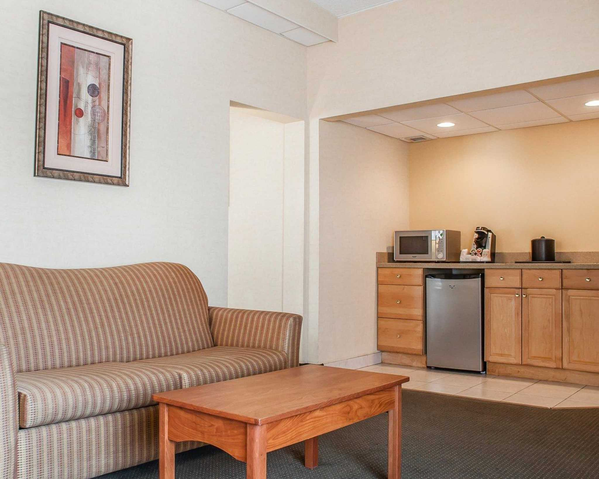 Quality Hotel & Suites At The Falls image 32