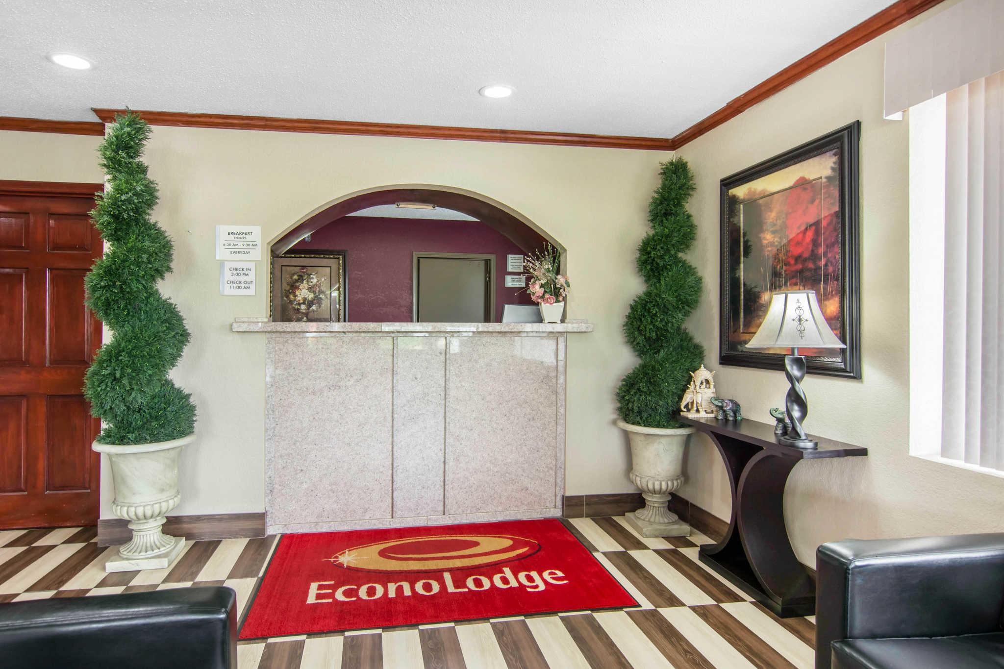Econo Lodge image 2