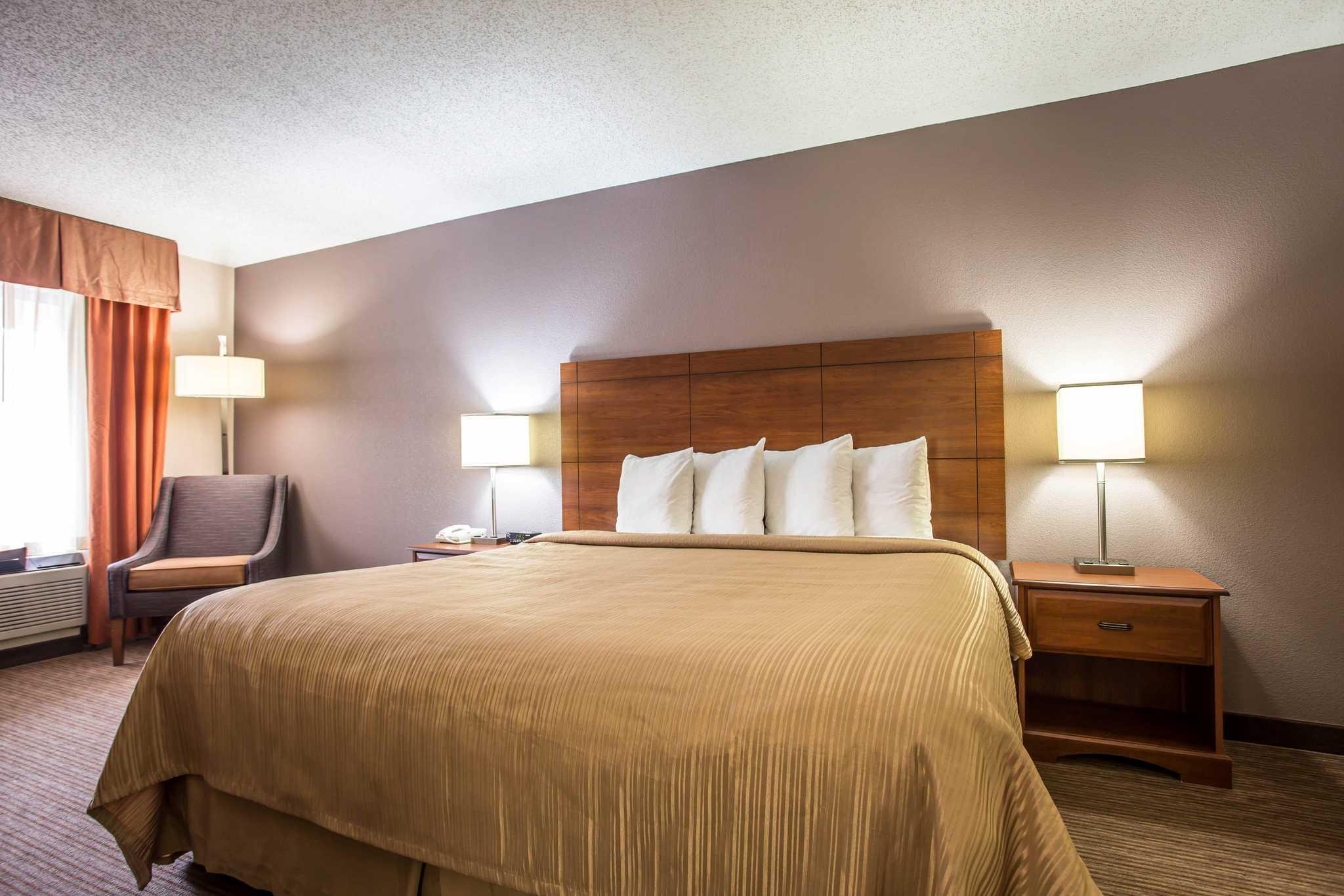 Quality Inn & Suites Matthews - Charlotte image 7