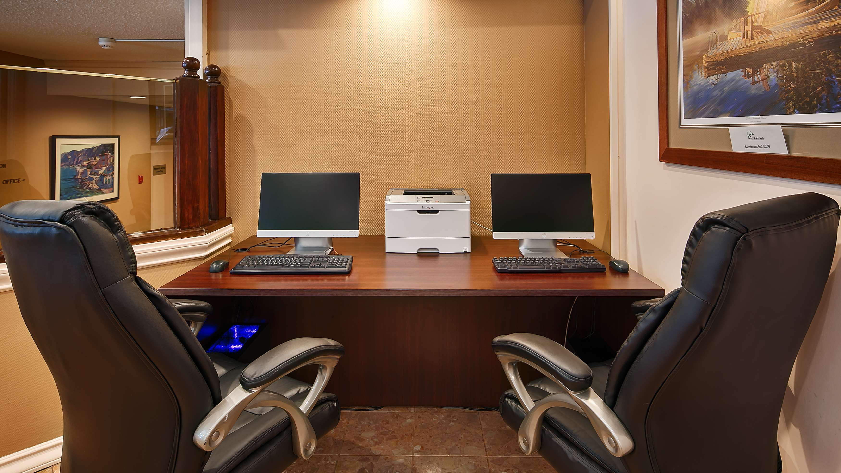 Best Western Plus Carlton Plaza Hotel in Victoria: Business Center