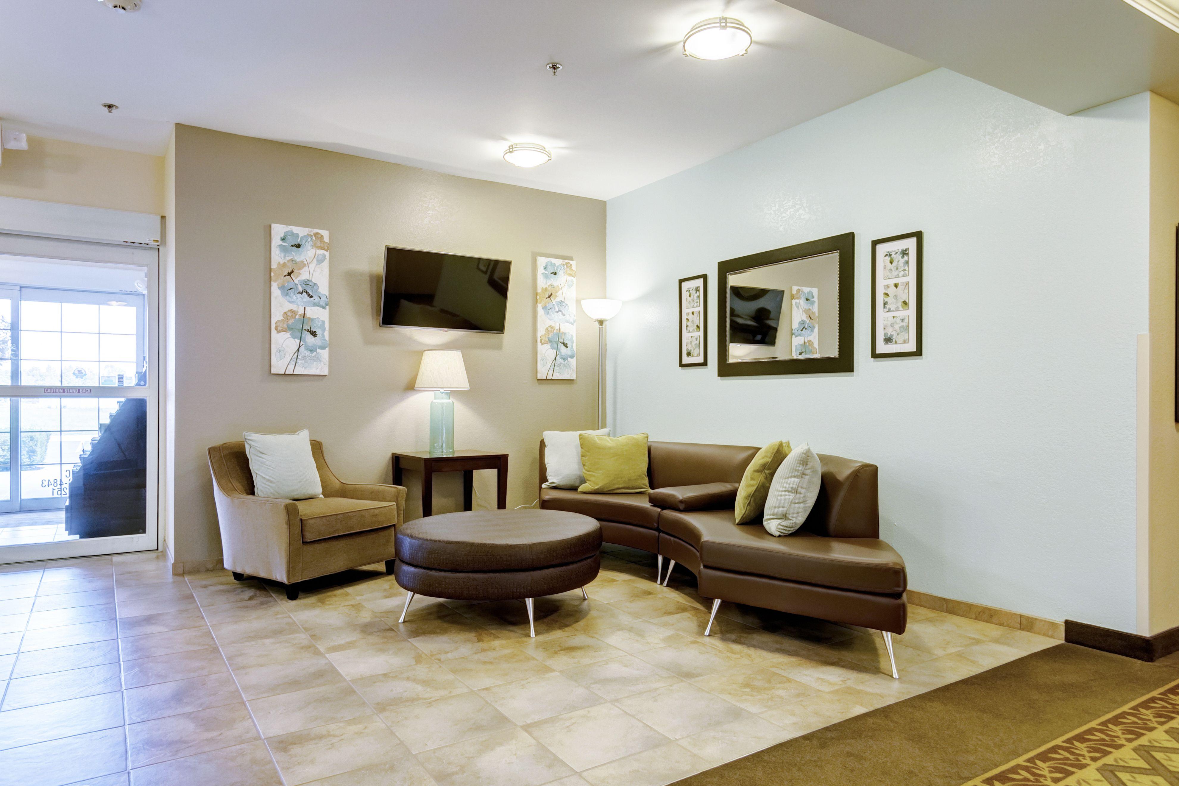 Candlewood Suites Paducah image 3