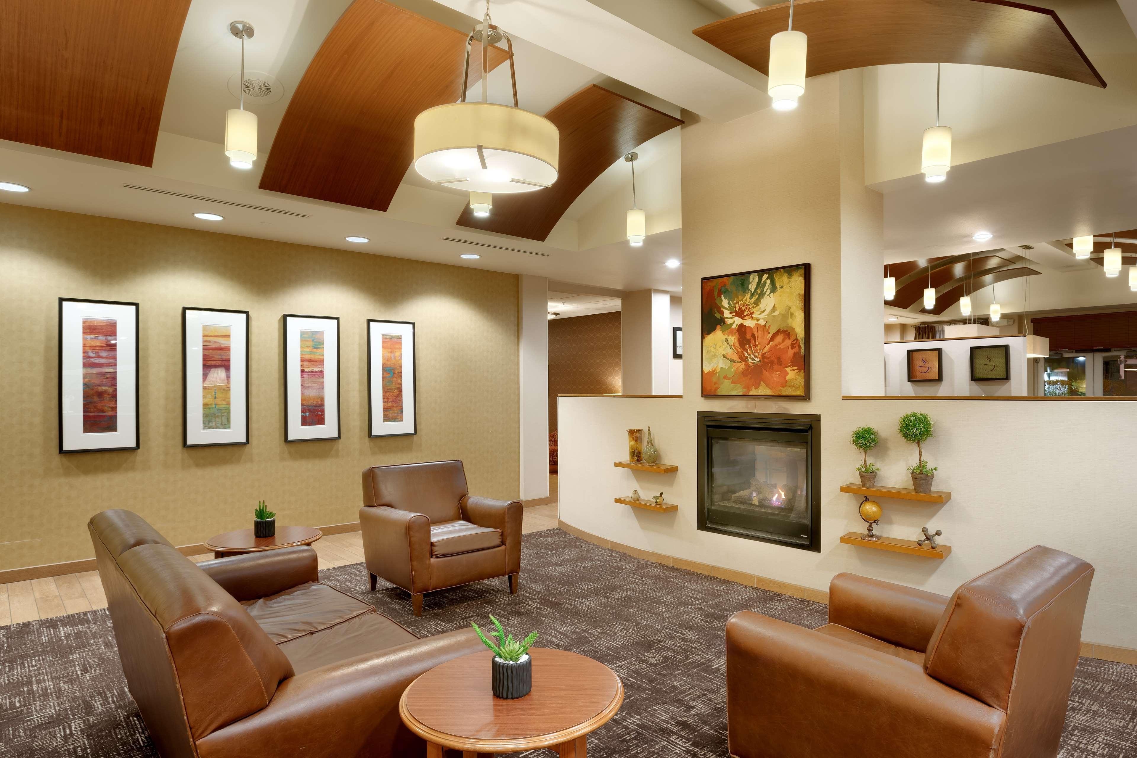 Hampton Inn & Suites Orem image 3