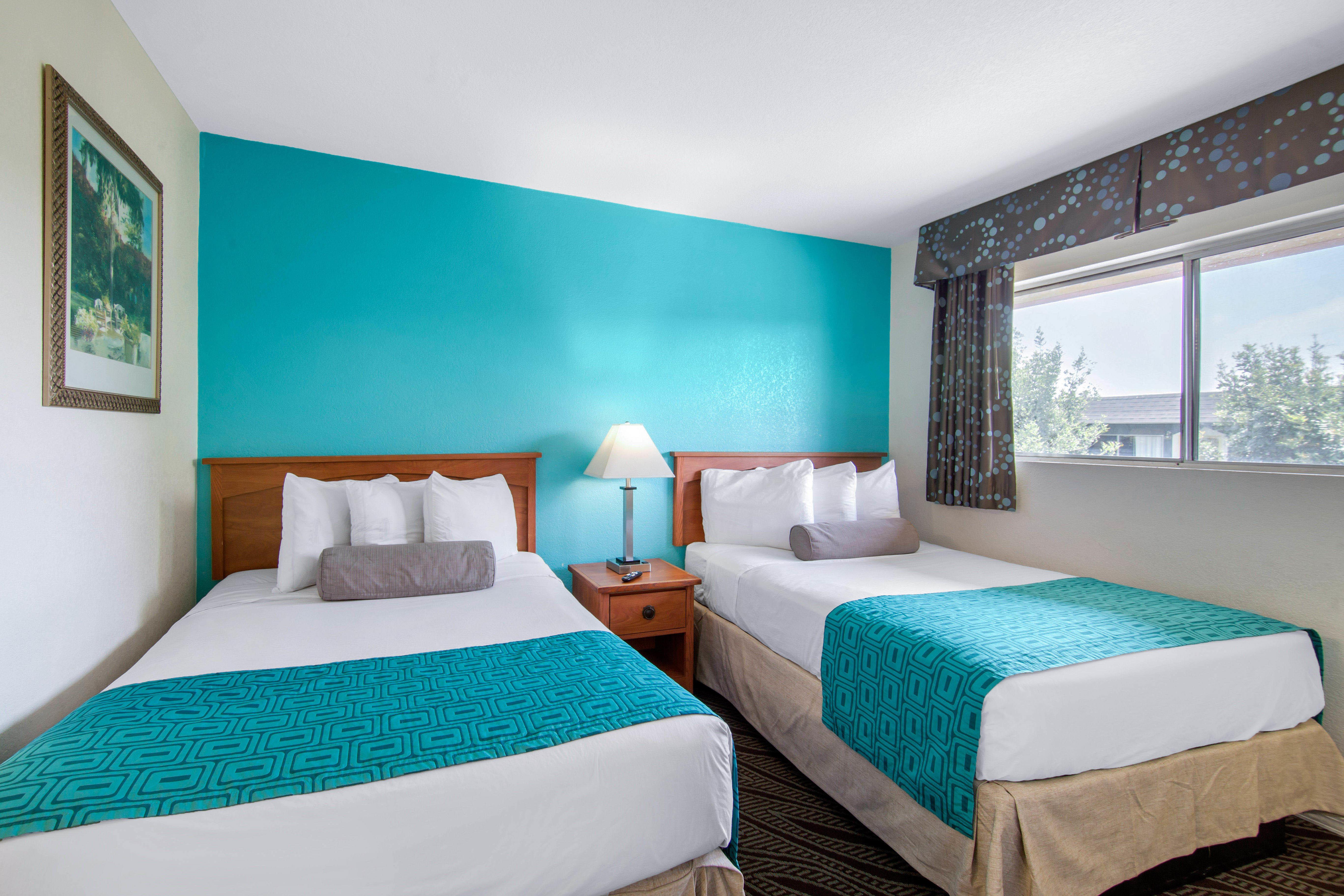 Howard Johnson by Wyndham Chula Vista San Diego Suite Hotel image 15
