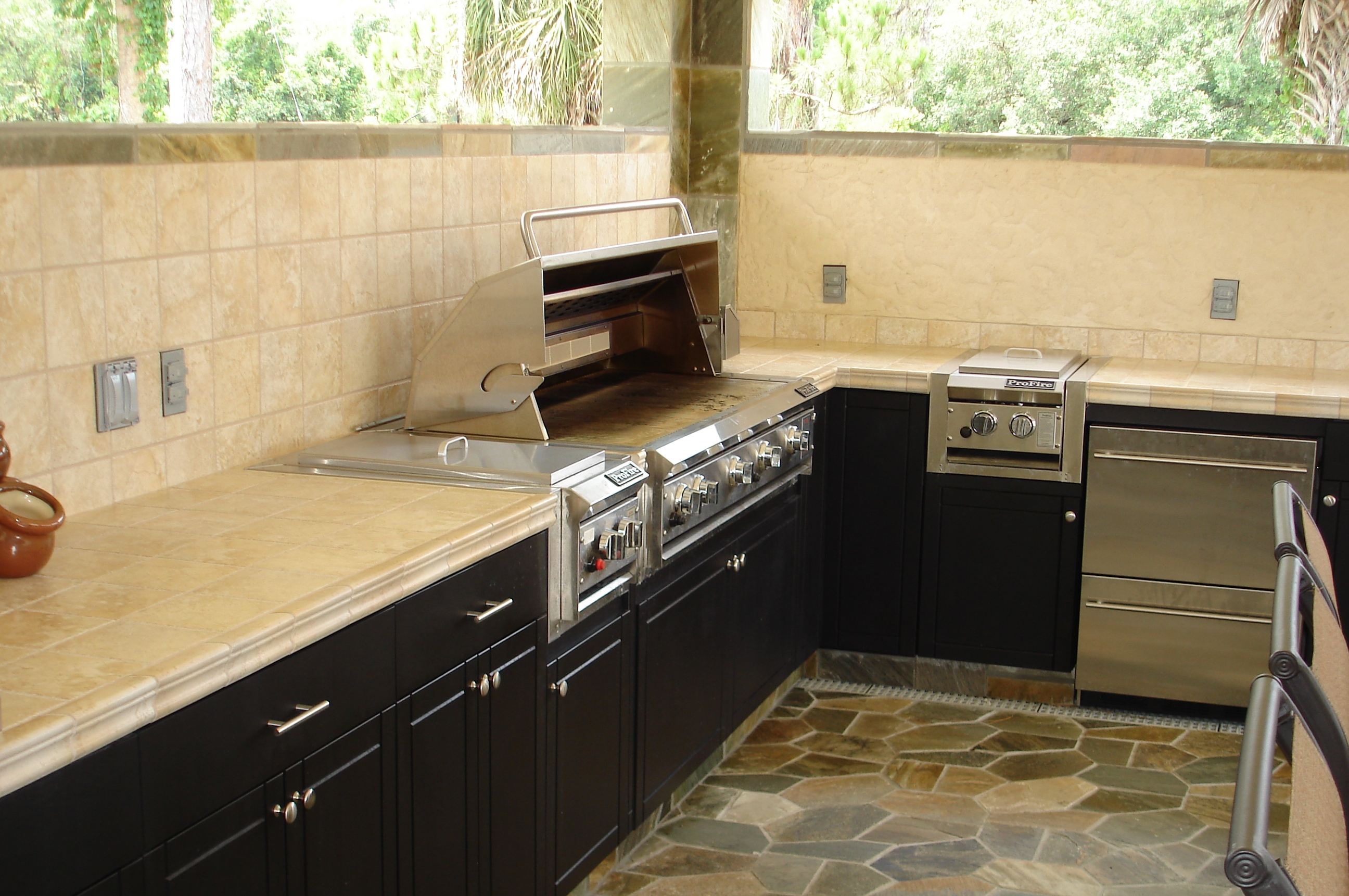 Outdoor Cabinets Direct image 11