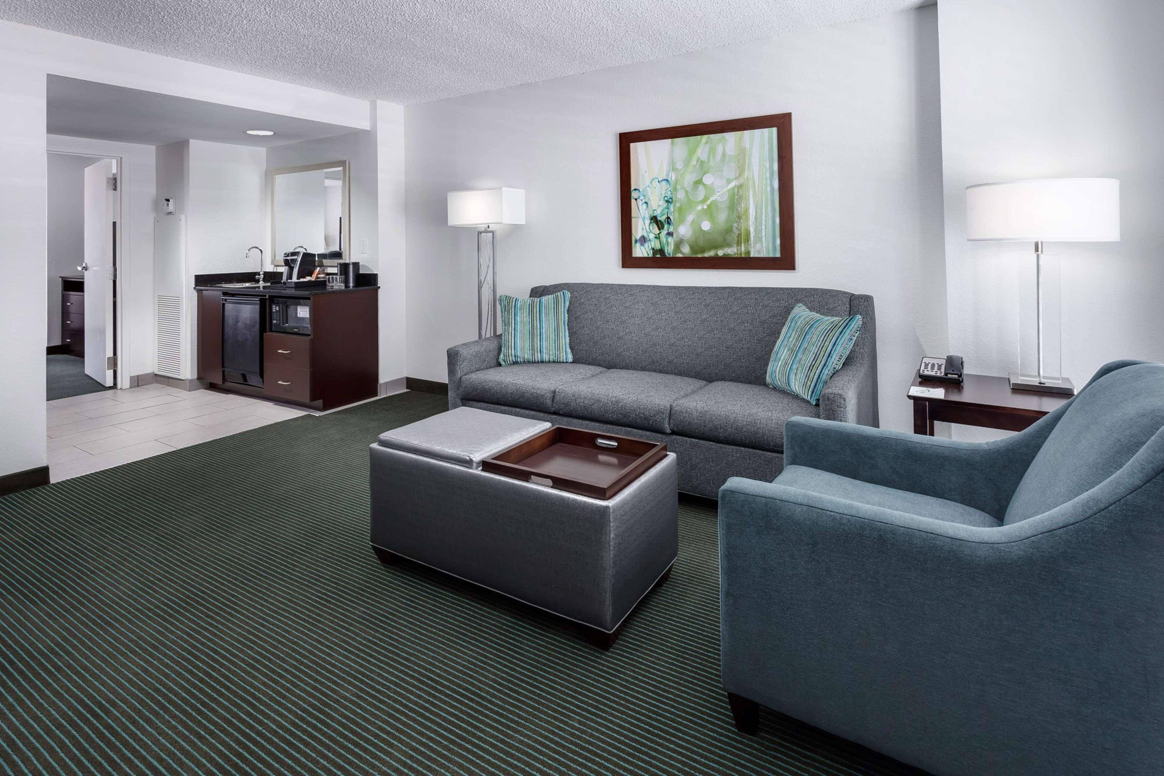 Embassy Suites by Hilton Orlando Lake Buena Vista Resort image 19