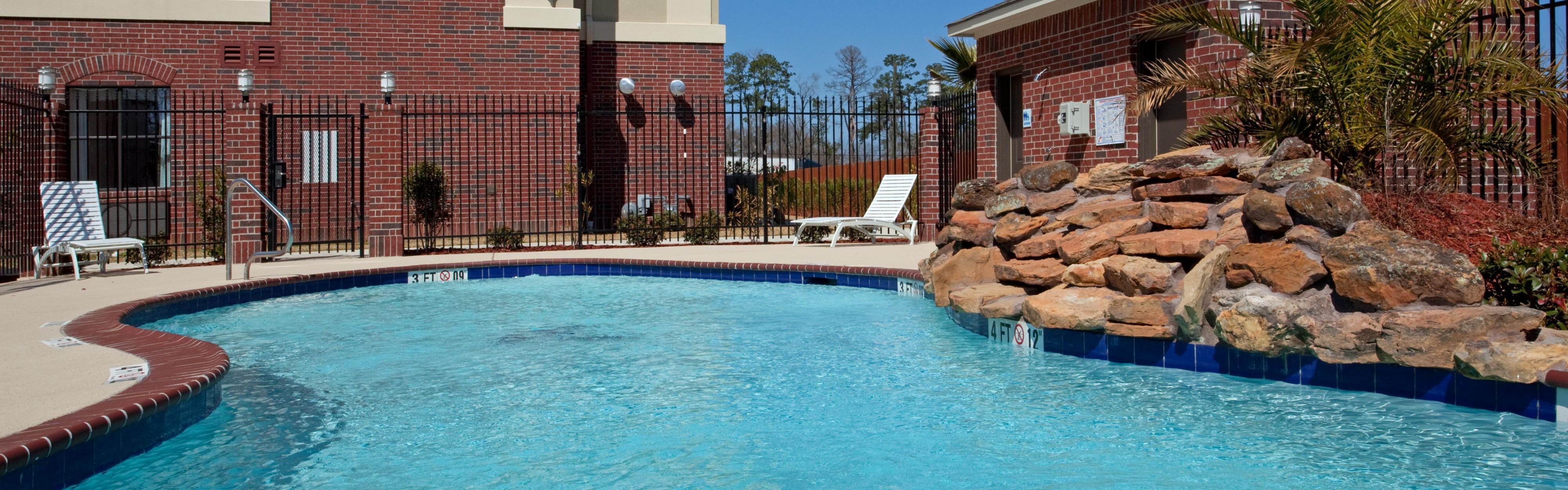 Holiday Inn Express & Suites Vidor South image 2