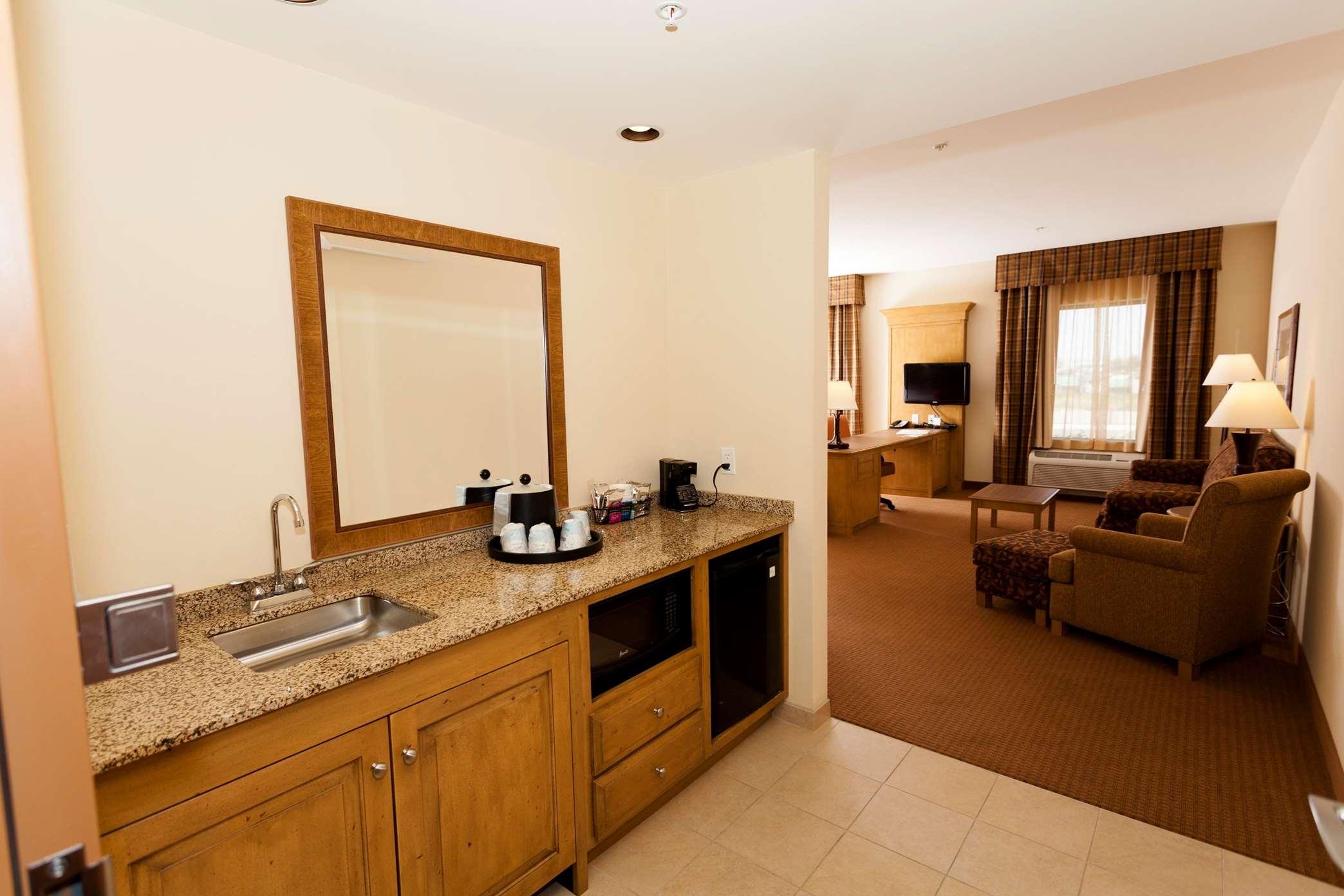 Hampton Inn & Suites Riverton image 19