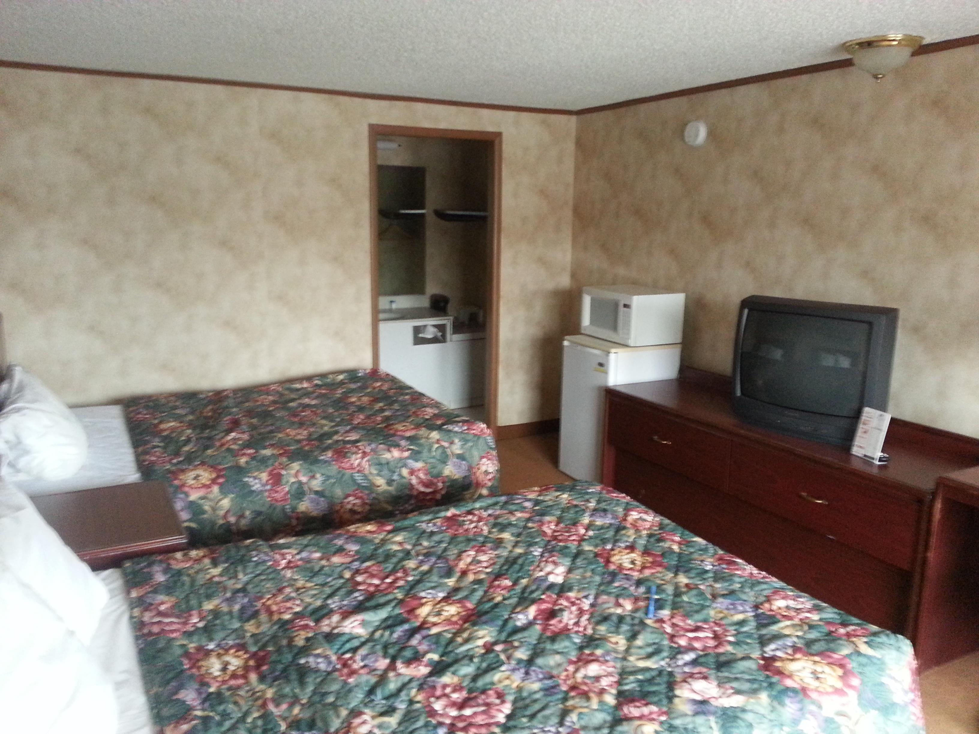 Americas Best Value Inn & Suites Monroe image 9