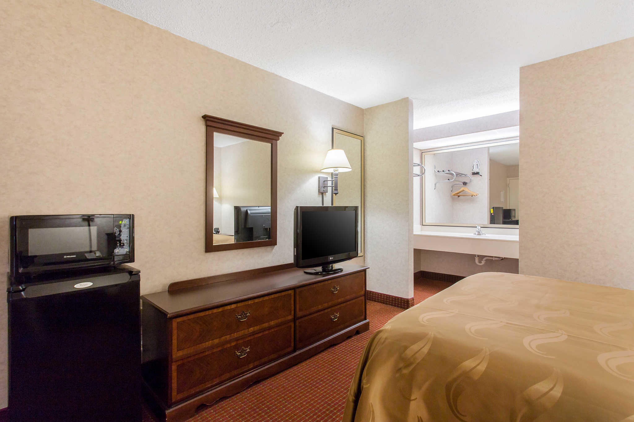 Quality Inn Mount Airy Mayberry image 13