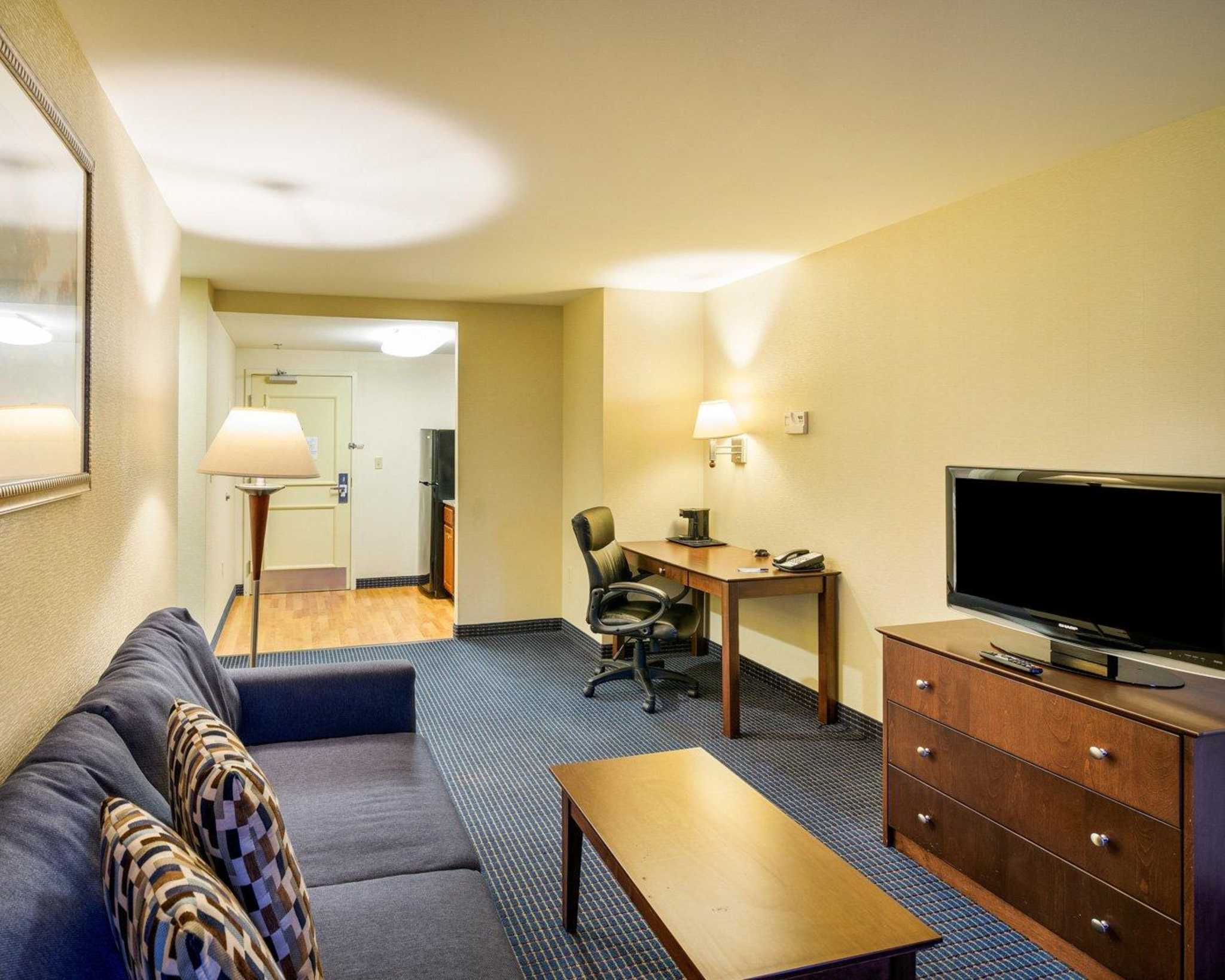 MainStay Suites image 15