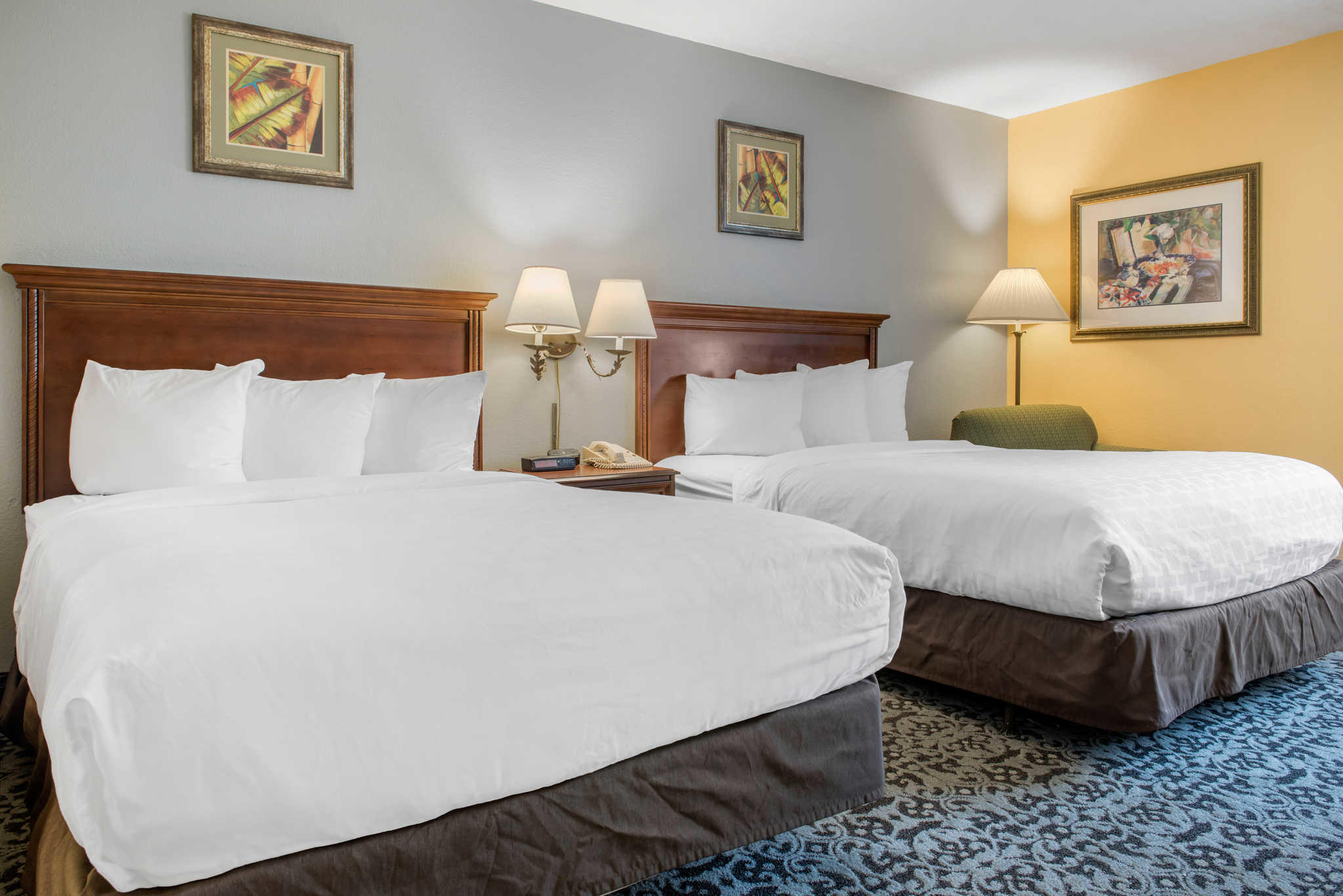 Quality Inn Airport image 7