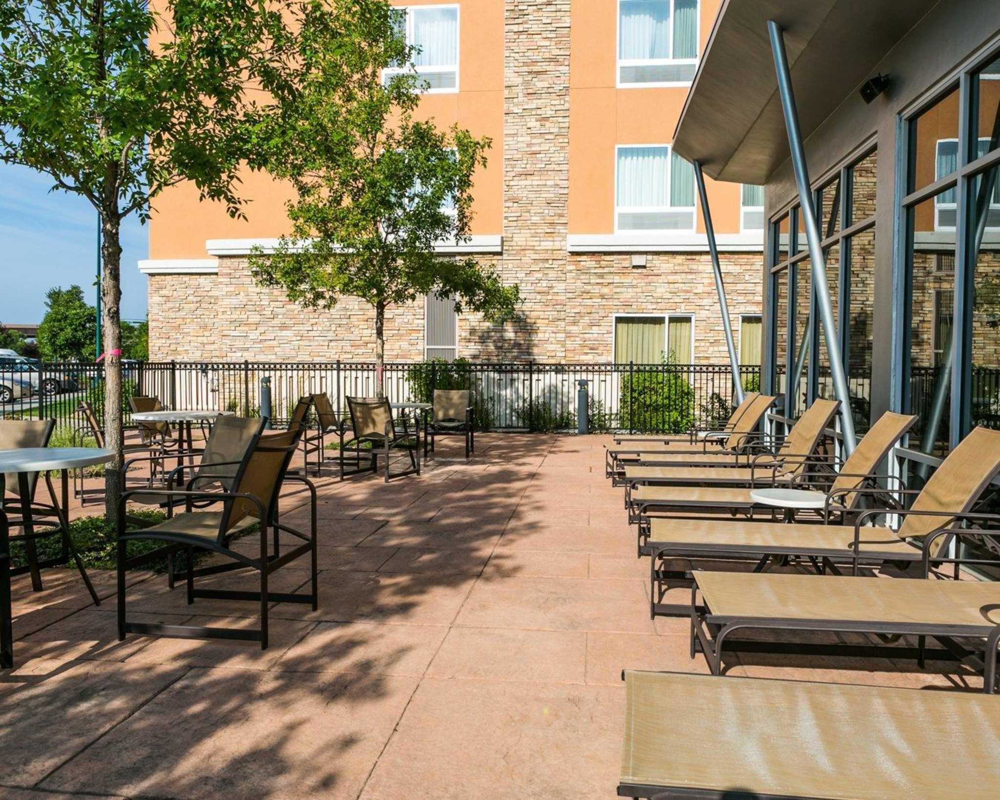 Cambria Hotel Denver International Airport image 47