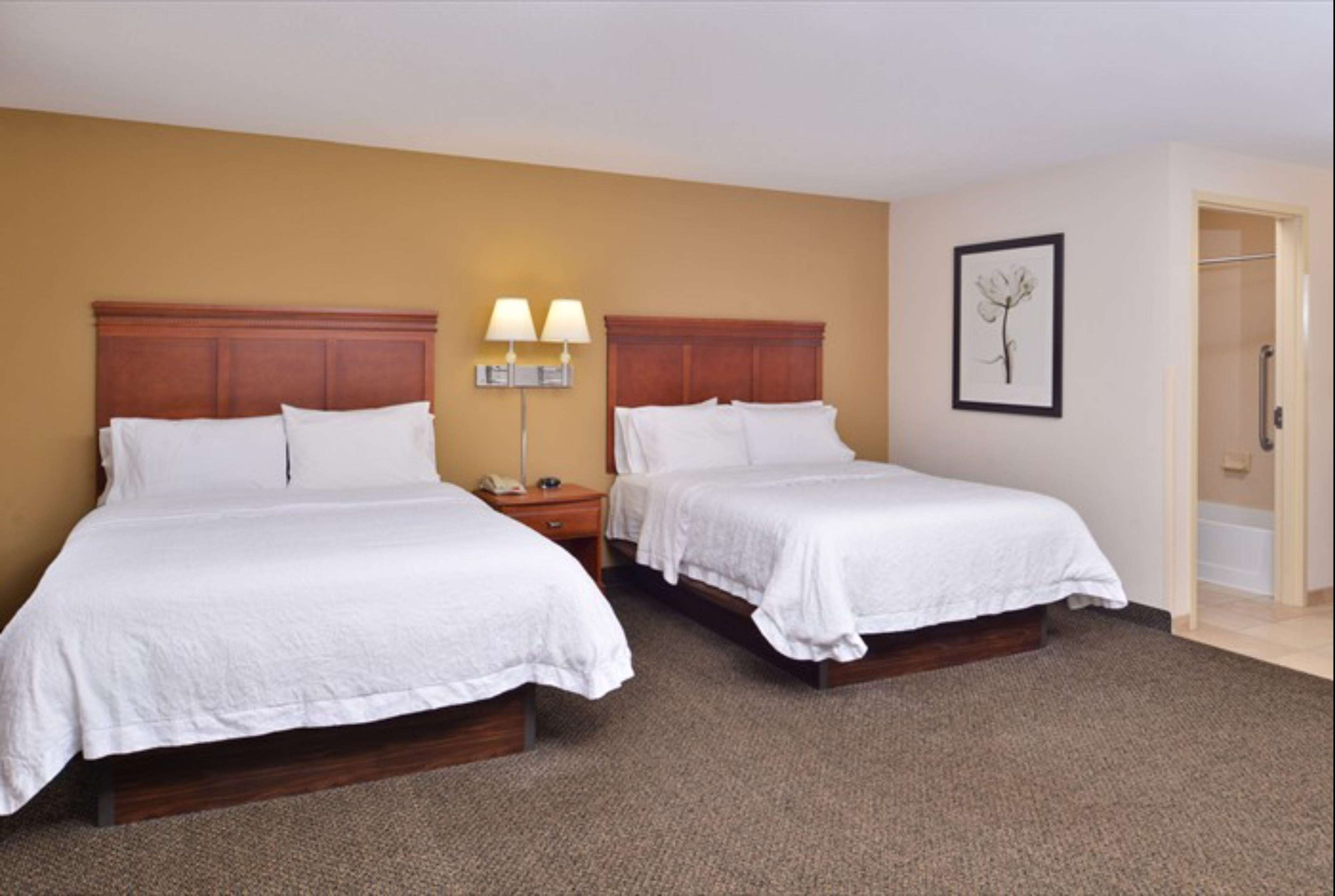 Hampton Inn & Suites Richmond image 28