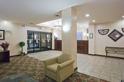 Holiday Inn Express & Suites Martinsville-Bloomington Area image 3