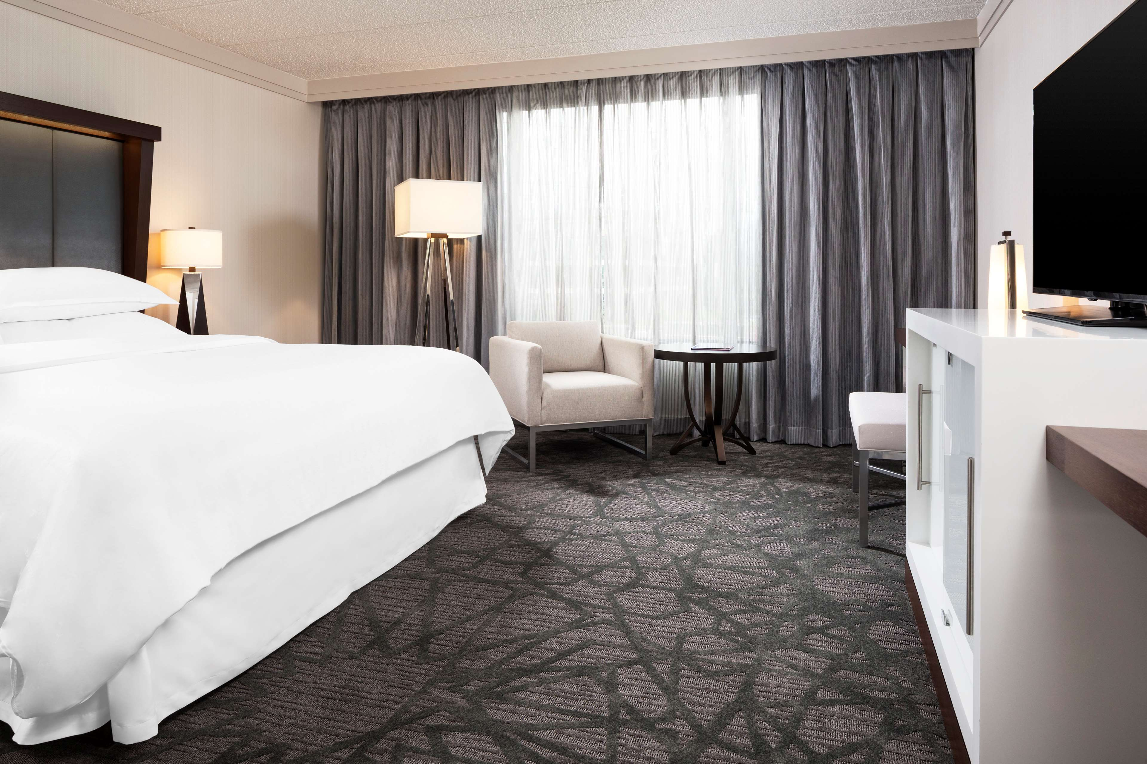 Sheraton Bloomington Hotel image 6