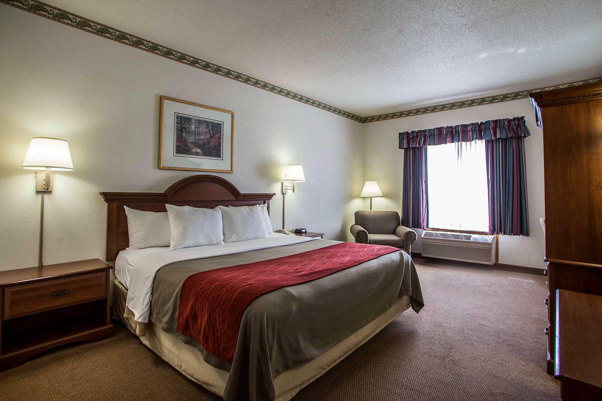 Comfort Inn & Suites in Geneva, IL, photo #23
