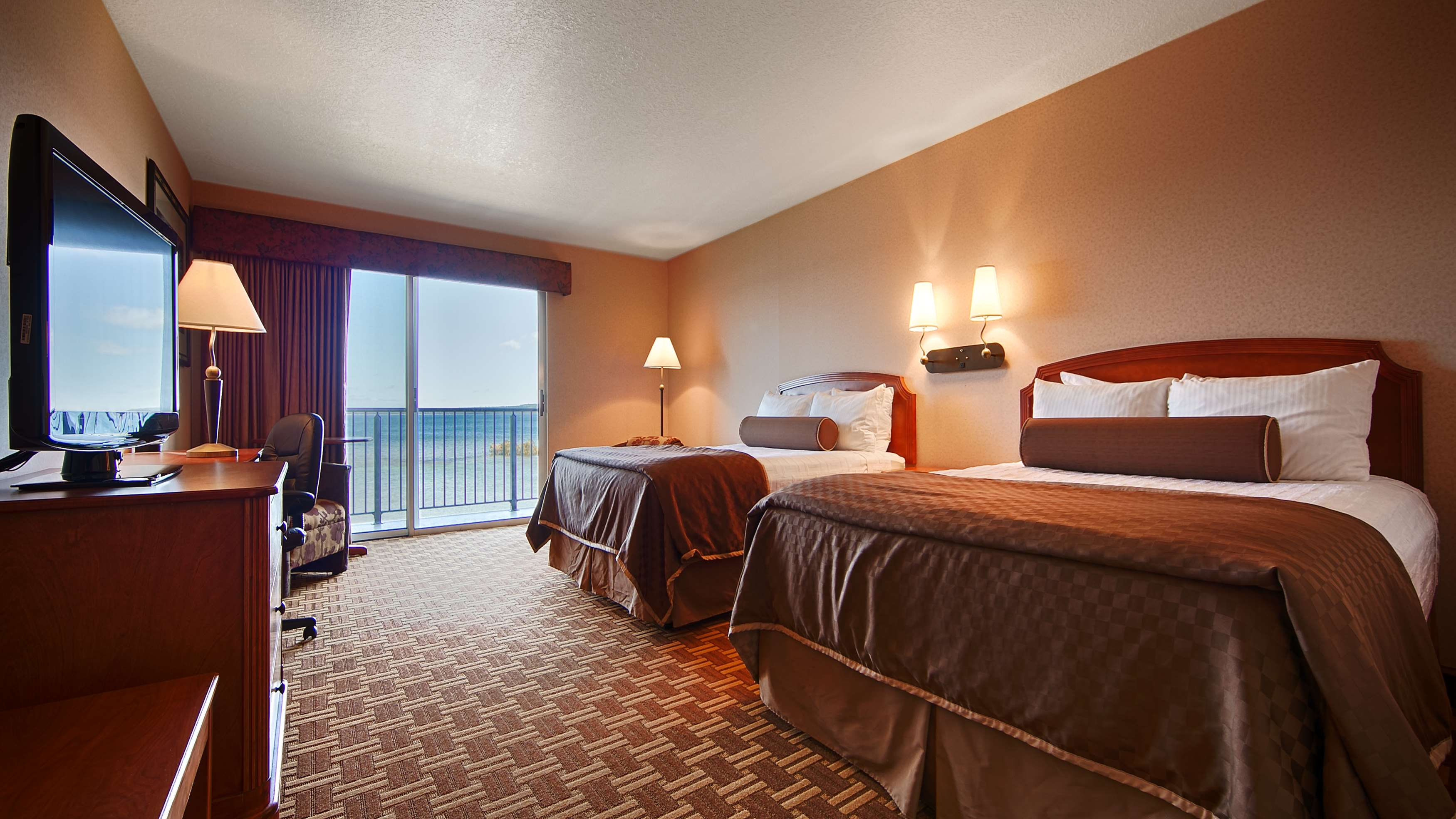 Best Western Harbour Pointe Lakefront image 32