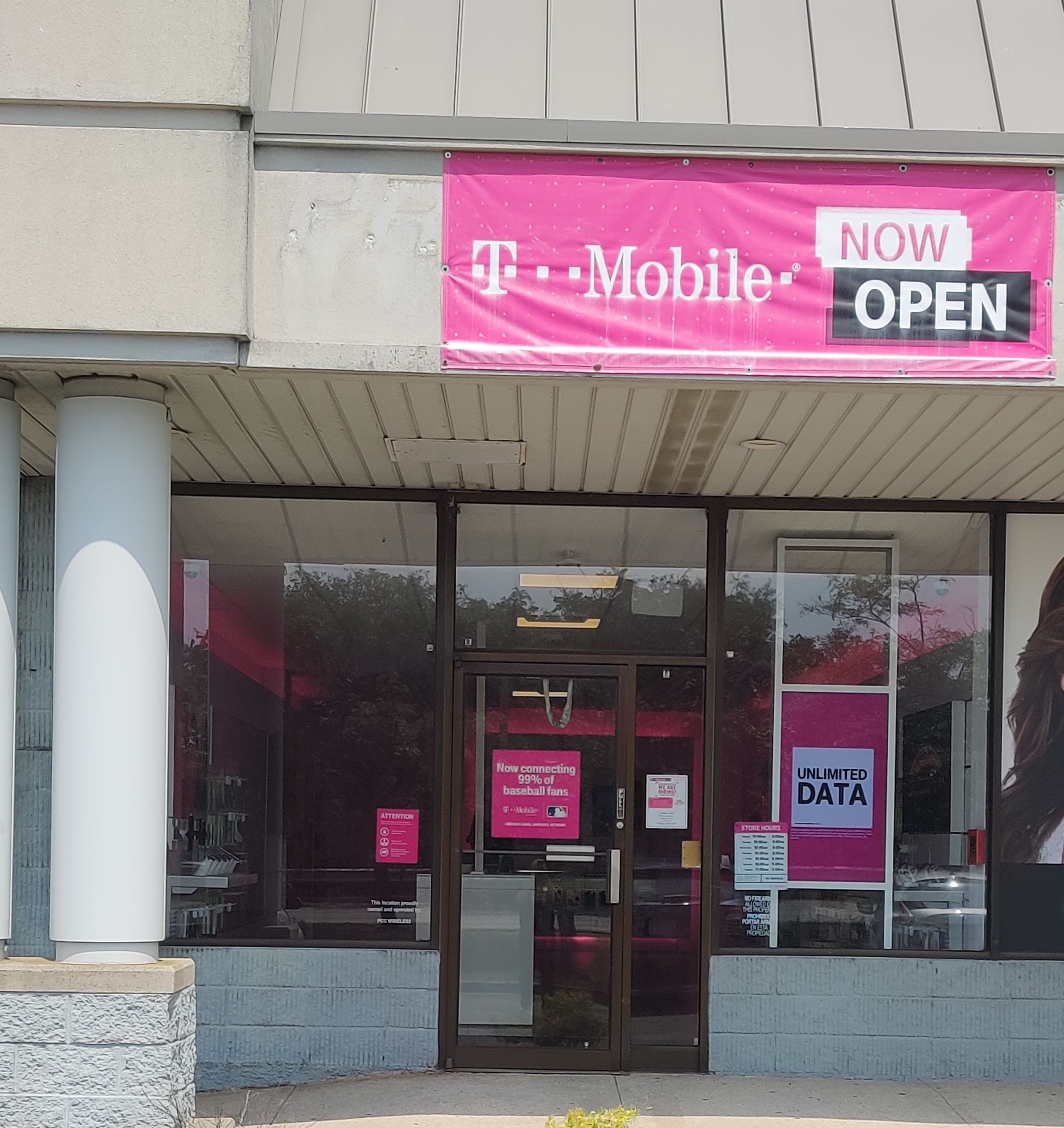 T Mobile Store At 353 Sunrise Hwy Patchogue Ny T Mobile