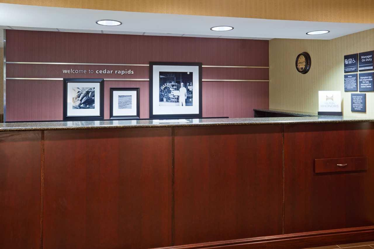 Hampton Inn Cedar Rapids image 1
