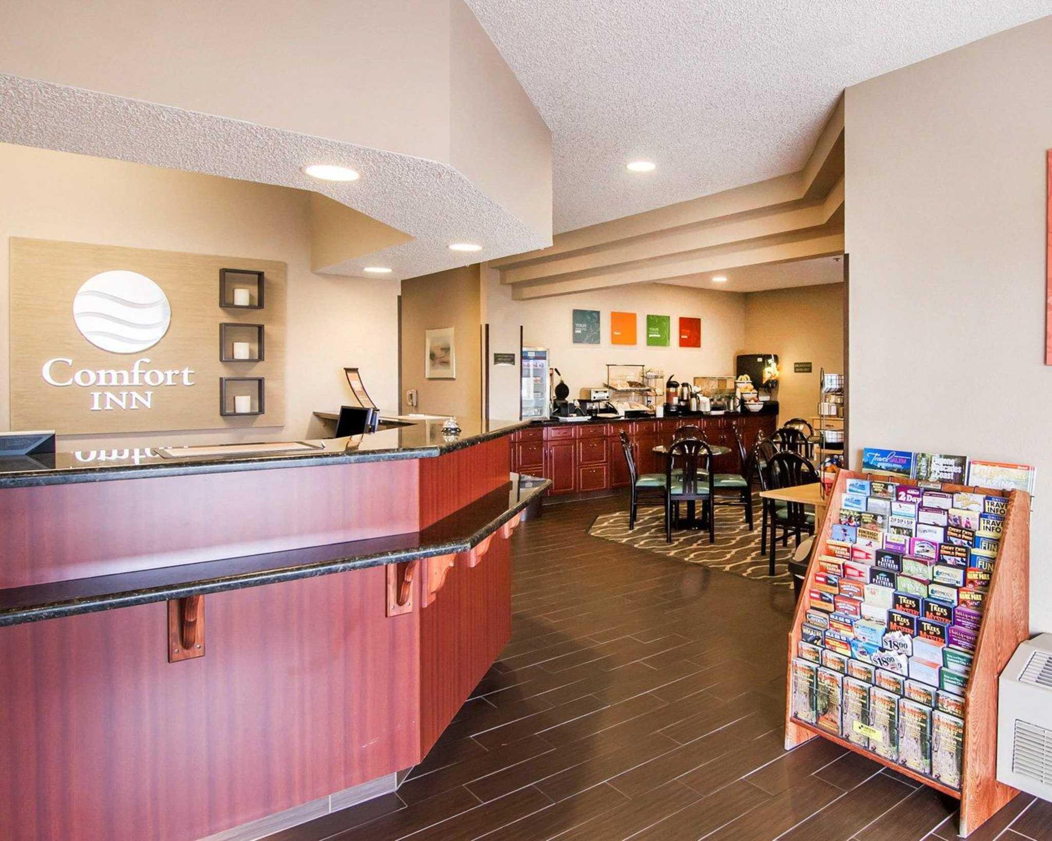 Comfort Inn North image 18
