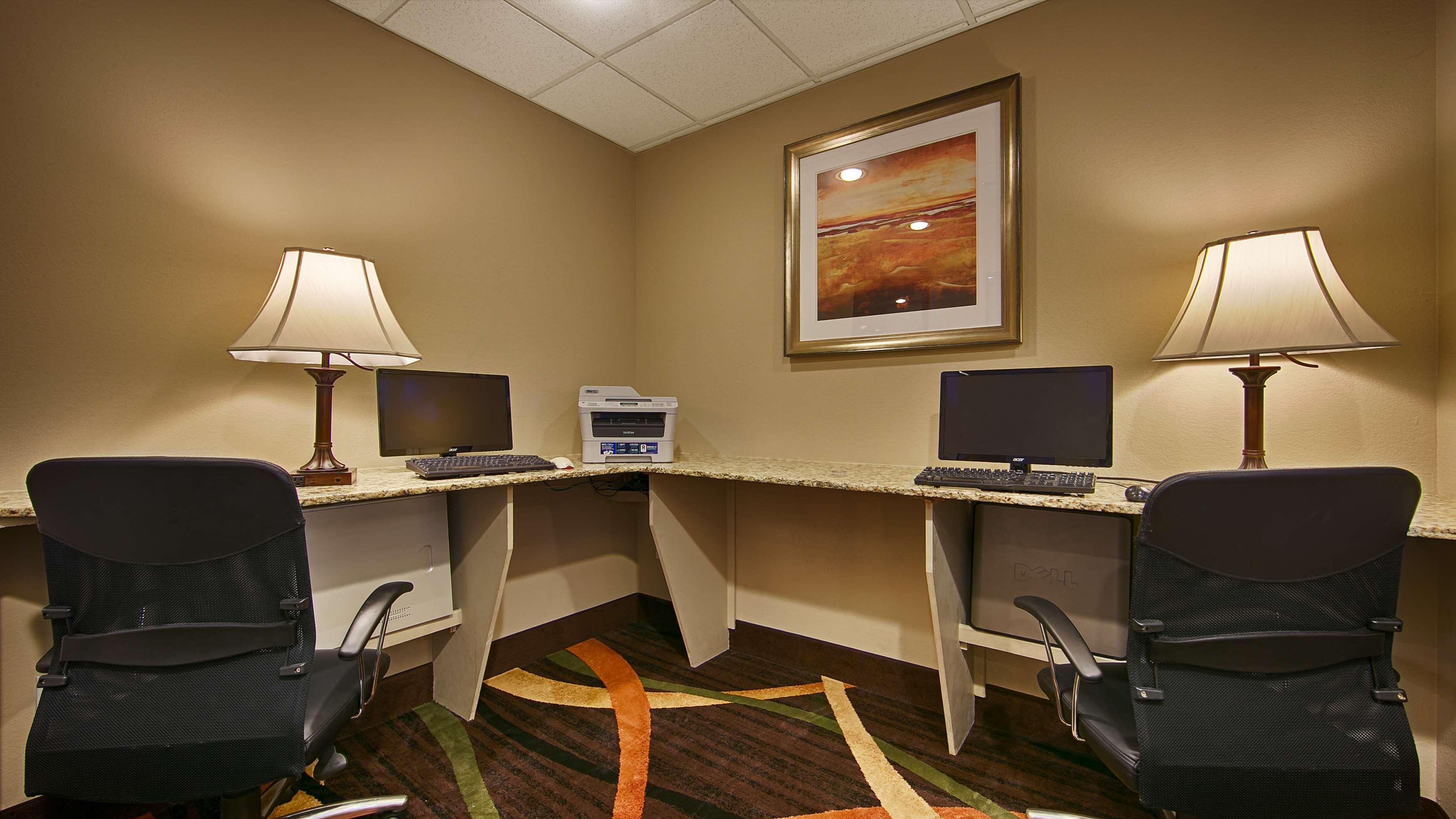Best Western Plus Woodland Hills Hotel & Suites image 17